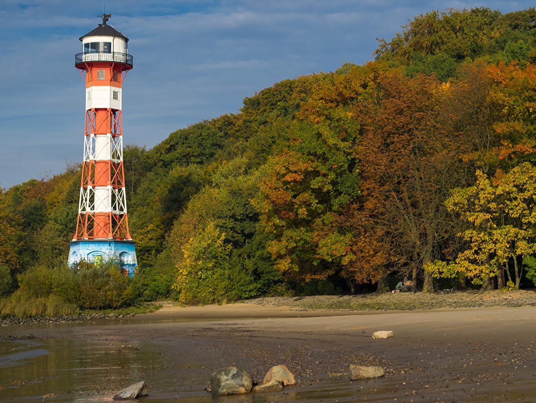 Фото Гамбург Германия Blankenese Маяки Природа осенние Камни Побережье деревьев Осень берег Камень дерево дерева Деревья