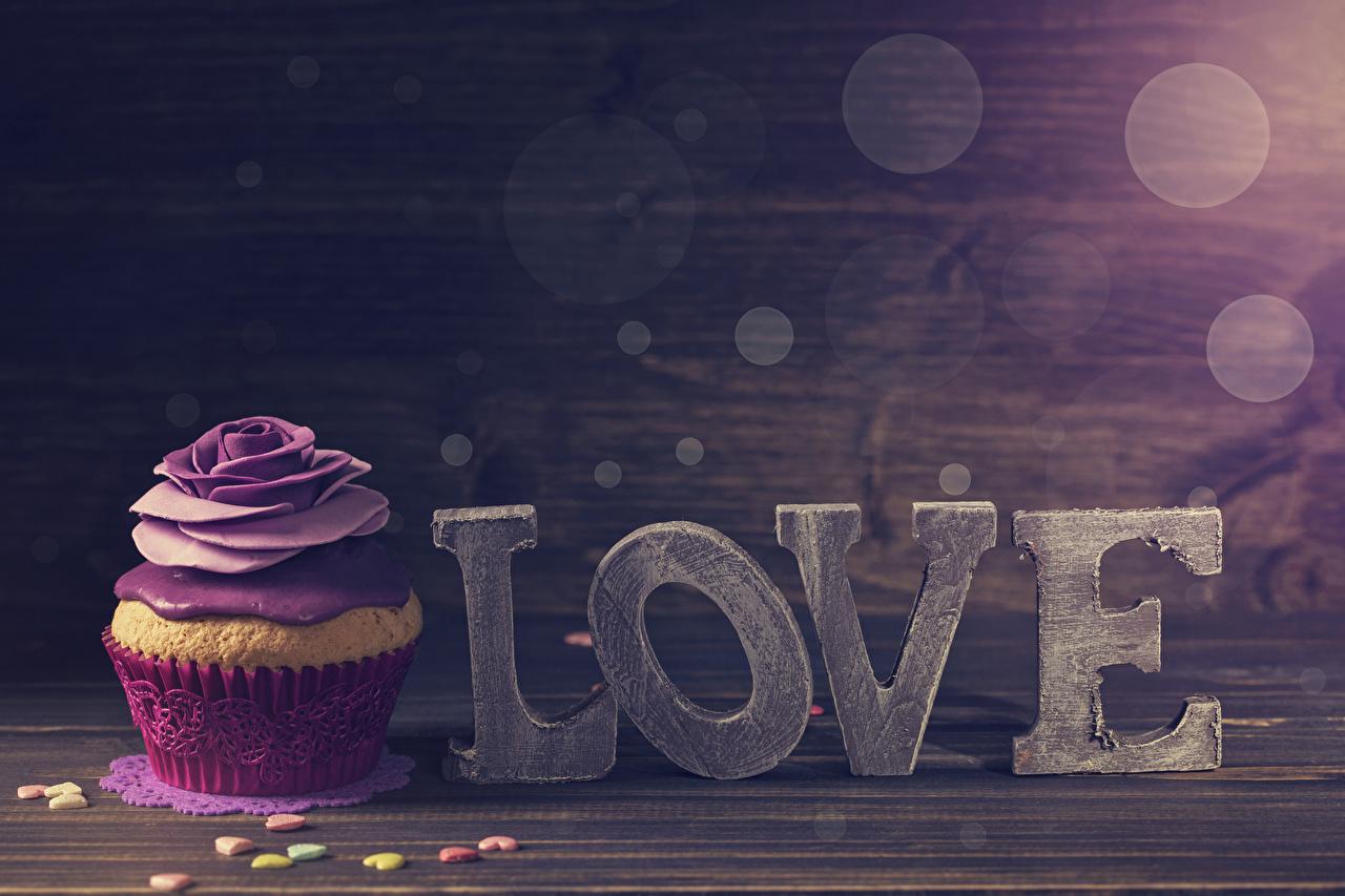 Фотографии День всех влюблённых инглийские сердечко Розы Капкейк кекс Еда Сладости День святого Валентина Английский английская серце сердца Сердце роза Пища Продукты питания сладкая еда