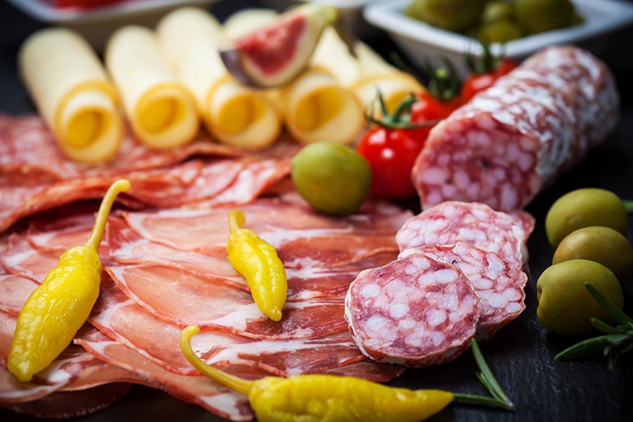 Картинка Колбаса Ветчина Пища перец овощной Мясные продукты Еда Перец Продукты питания