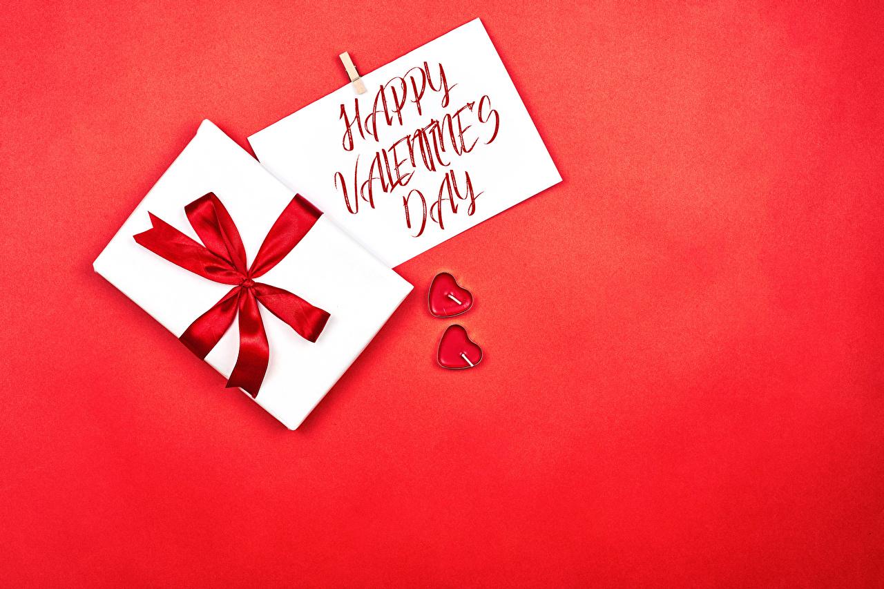 Фотография День святого Валентина инглийские сердца две слова Подарки Бантик красном фоне День всех влюблённых английская Английский серце Сердце сердечко 2 два Двое вдвоем текст подарок подарков Слово - Надпись бант бантики Красный фон