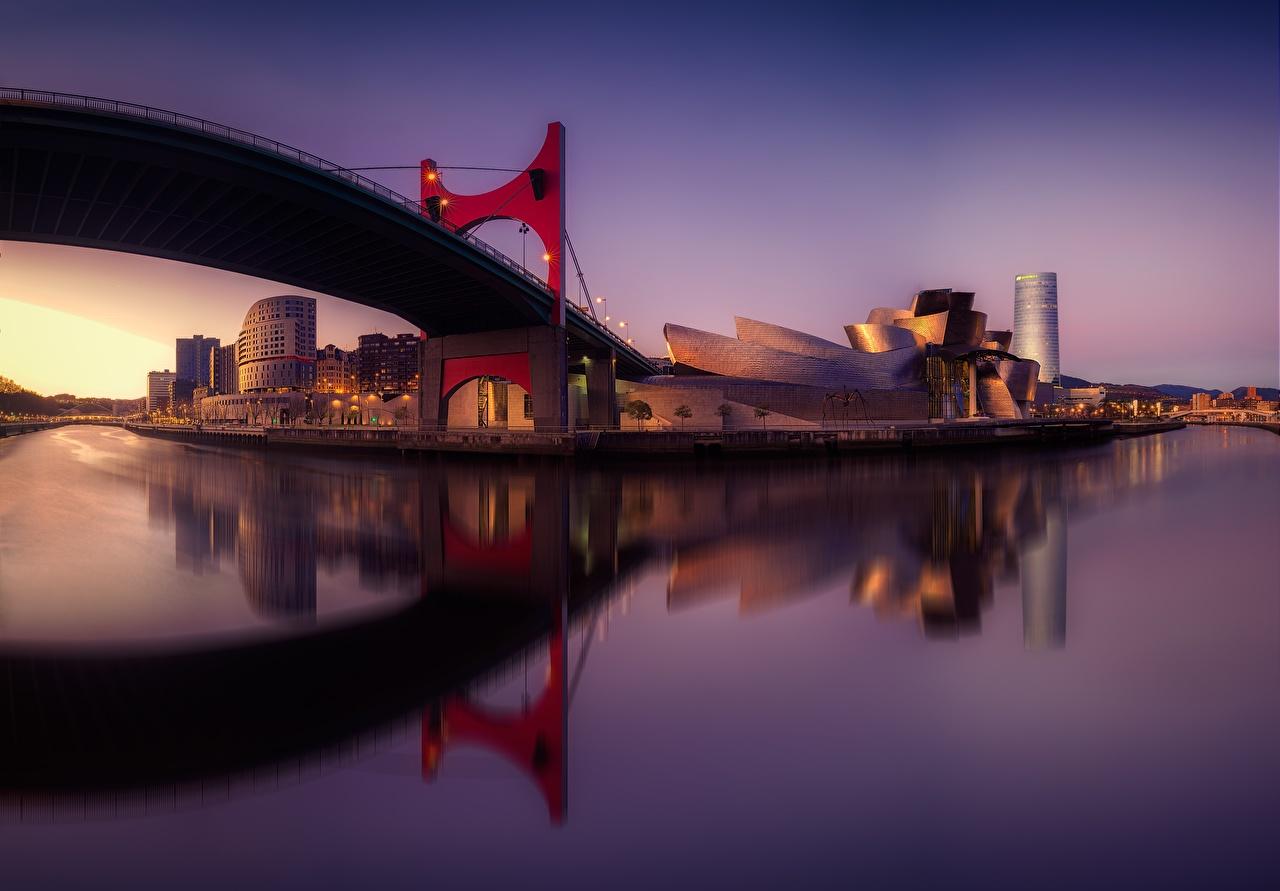Фотографии Испания Музей Bilbao Guggenhein Pais Vasco Мосты Реки Вечер Города речка