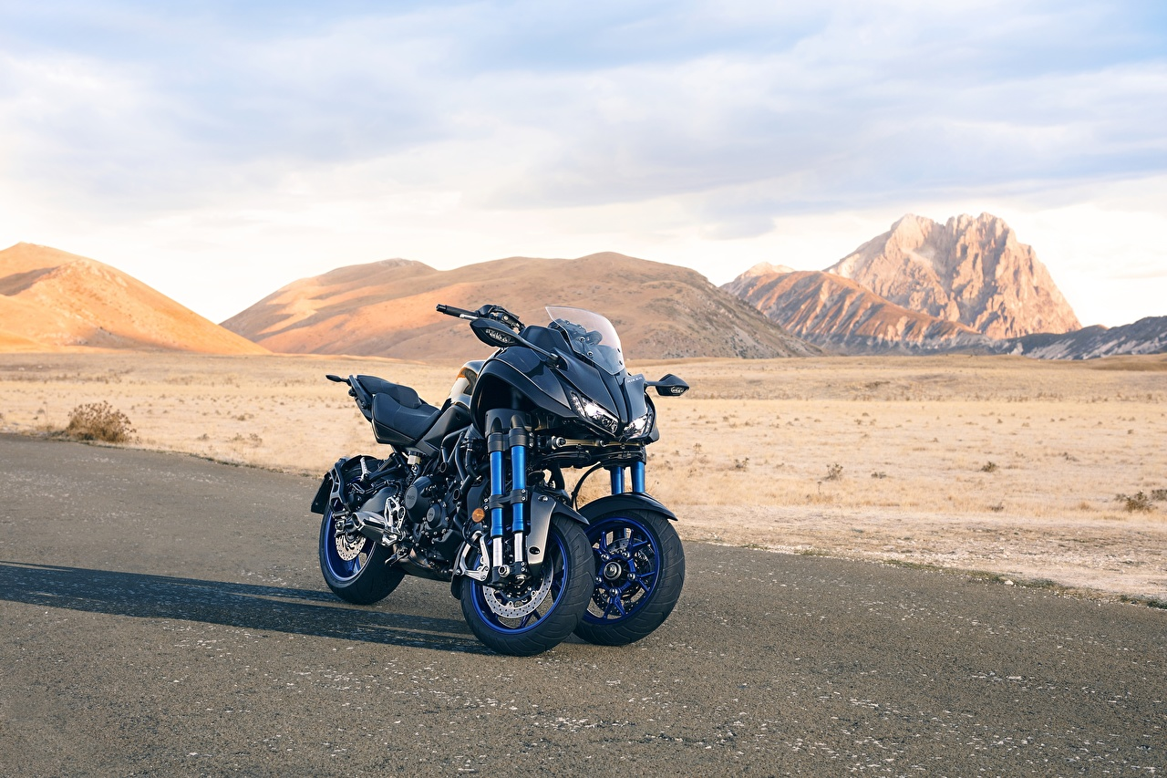Фотография Yamaha 2018 Niken мотоцикл Ямаха Мотоциклы