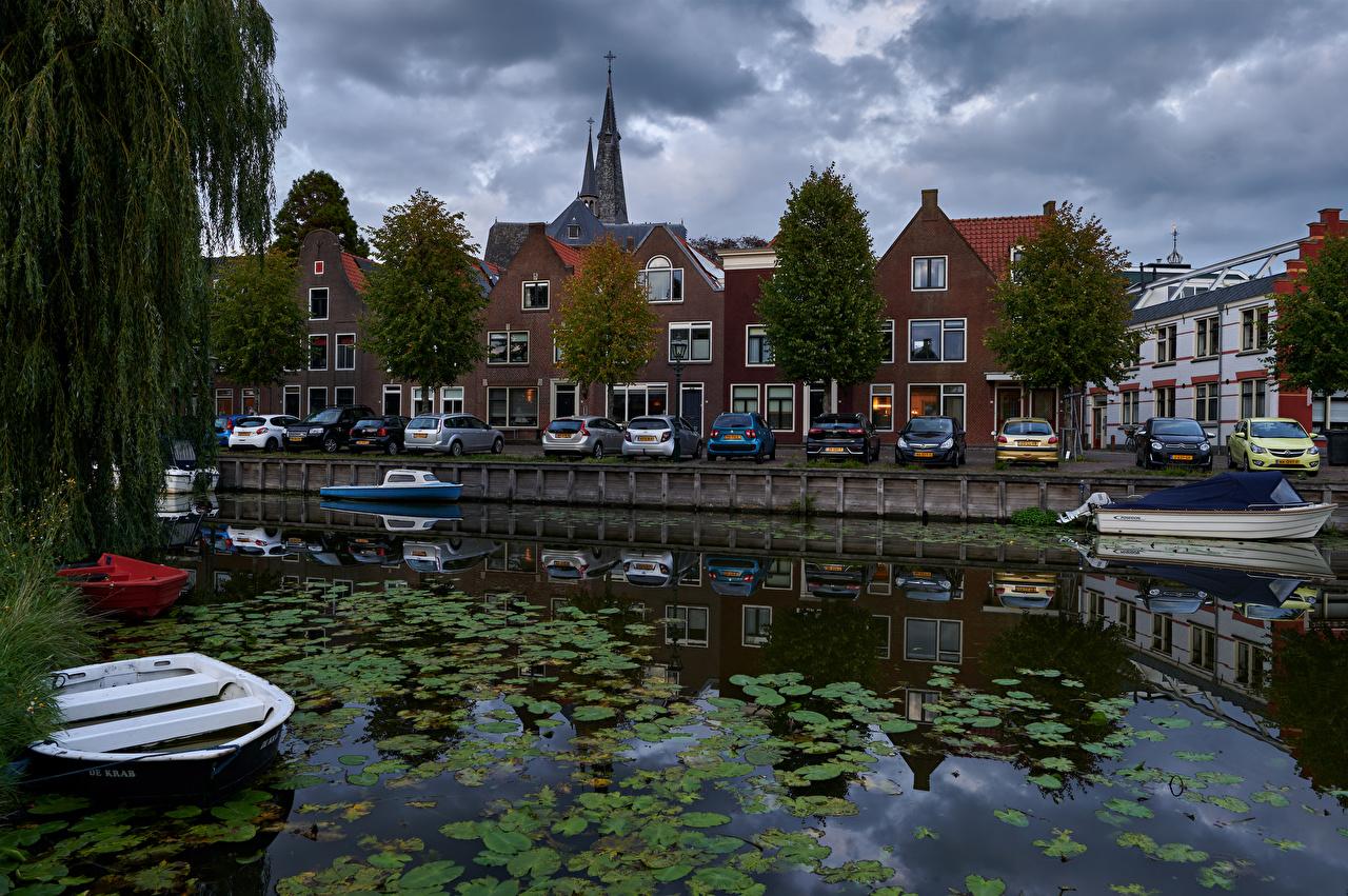Фотографии голландия Monnickendam Водный канал Отражение Пирсы Дома город Нидерланды отражении отражается Причалы Пристань Здания Города