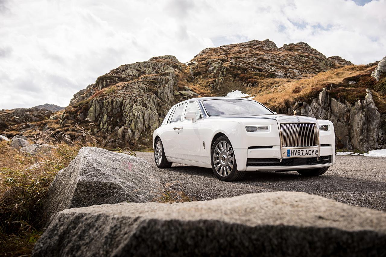 Картинка Роллс ройс 2017 Phantom Worldwide белая Автомобили Rolls-Royce белых белые Белый авто машина машины автомобиль