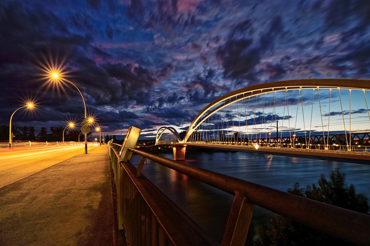 Фотография Страсбург Франция Europabrücke Мосты забора река Вечер город мост Забор ограда забором Реки речка Города