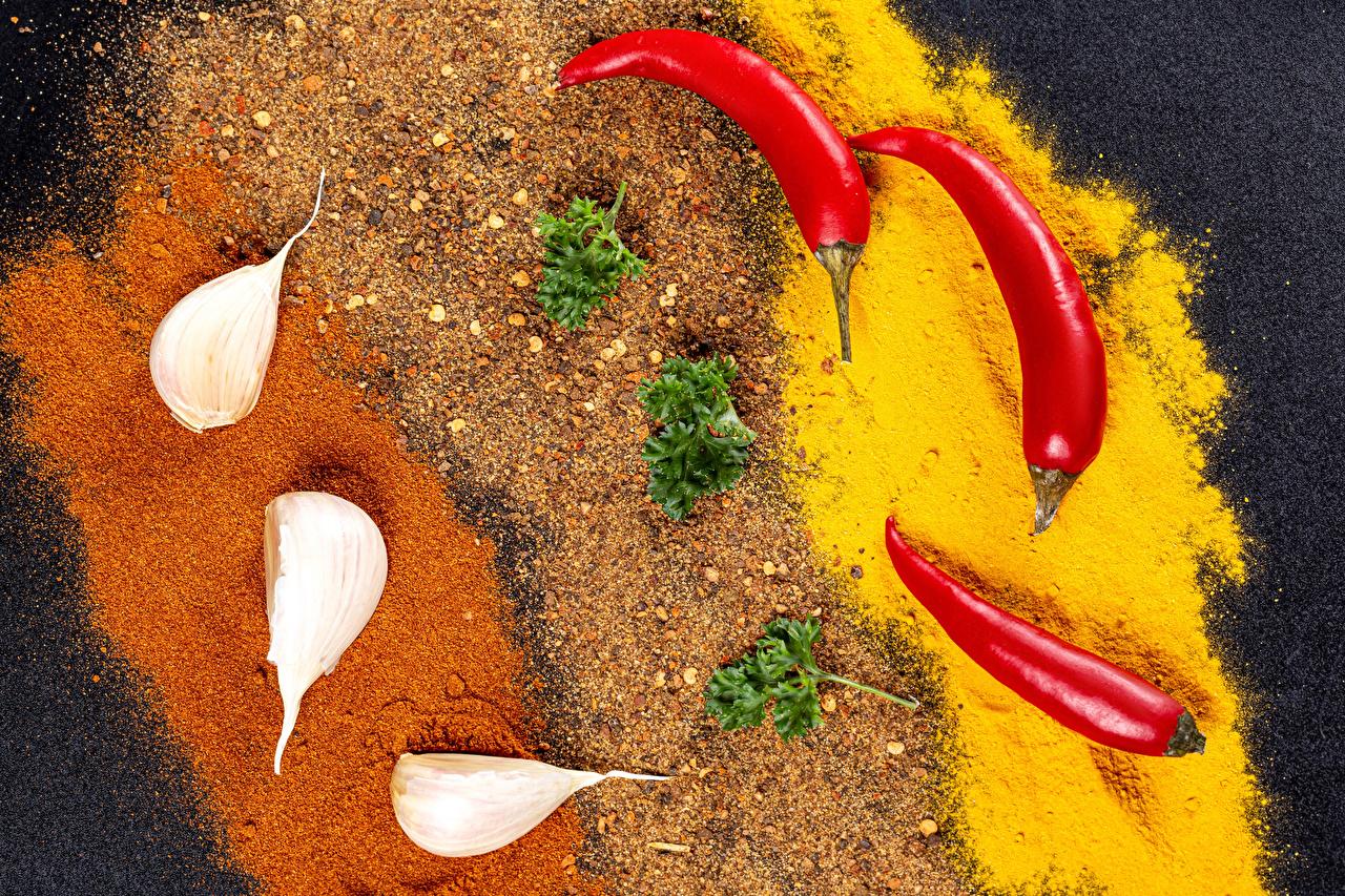 Фотографии Острый перец чили Чеснок Пища приправы Еда Специи пряности Продукты питания