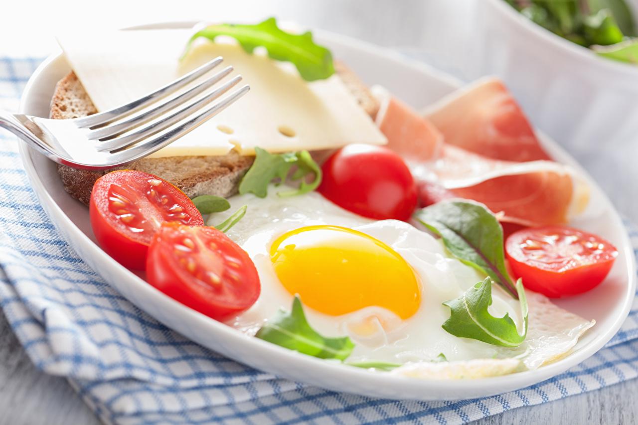 Фотографии глазунья Помидоры бутерброд Продукты питания яичницы Яичница Томаты Бутерброды Еда Пища