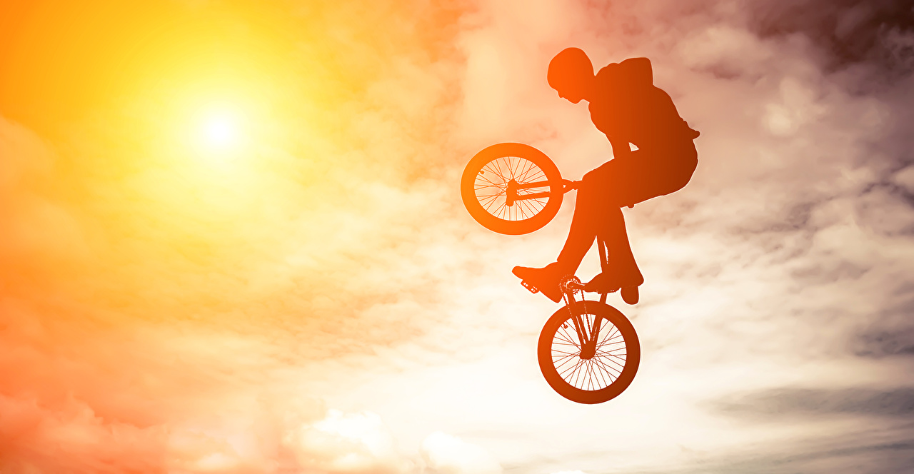 Фотография силуэты Велосипед Спорт Небо Прыжок Силуэт силуэта велосипеде велосипеды спортивный спортивная спортивные прыгает прыгать в прыжке