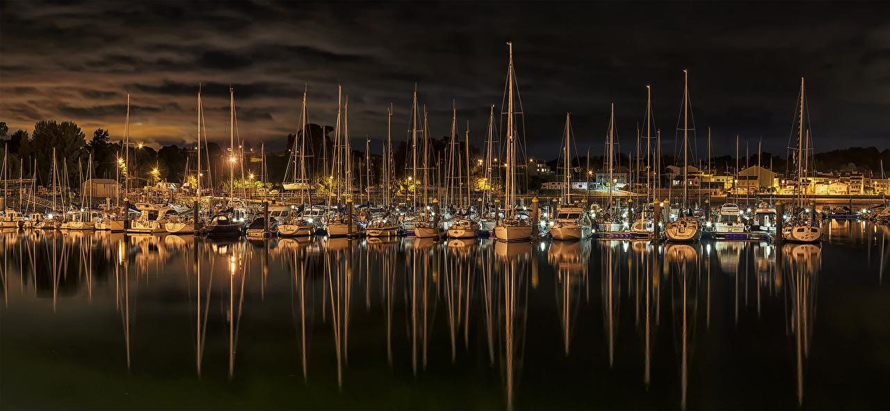 Фото Испания El Burgo Яхта Реки Ночные Причалы Парусные Города Ночь река речка Пирсы ночью в ночи Пристань город
