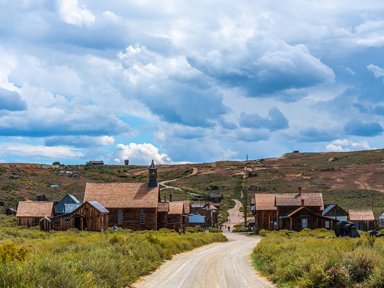 Фото Калифорния США Bodie State Historic Park Природа парк Дороги Здания облако калифорнии штаты америка Парки Дома Облака облачно