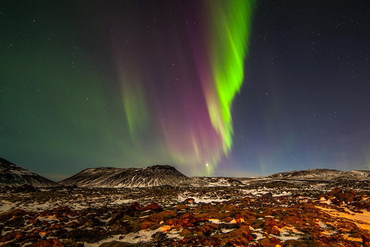 Картинки Норвегия Полярное сияние Природа холм Ночь северное сияние Холмы холмов ночью в ночи Ночные