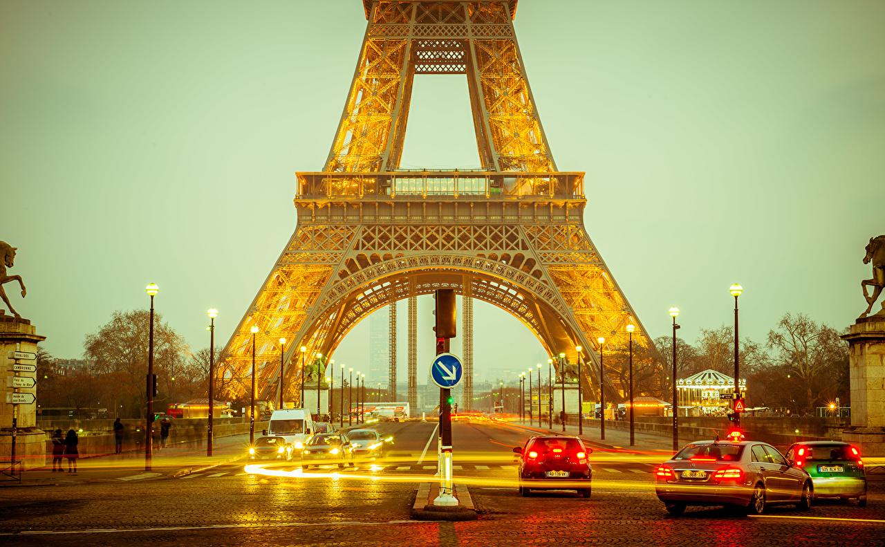 Картинки Париж Эйфелева башня Франция Улица Дороги Уличные фонари Города париже улиц улице город