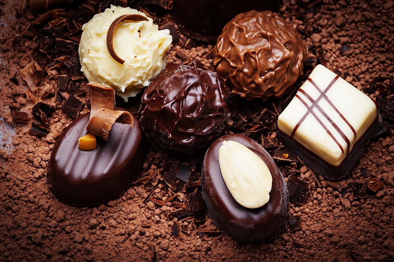 Картинки Шоколад Конфеты Продукты питания вблизи сладкая еда Еда Пища Сладости Крупным планом