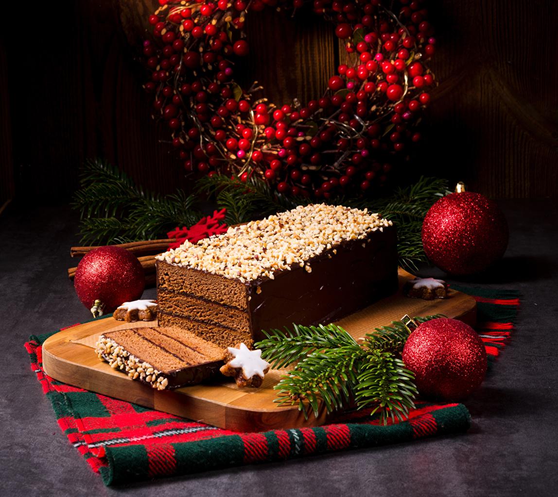 Картинки Новый год Торты Шар Пища Ветки Разделочная доска Выпечка Рождество Еда ветвь ветка Шарики на ветке Продукты питания