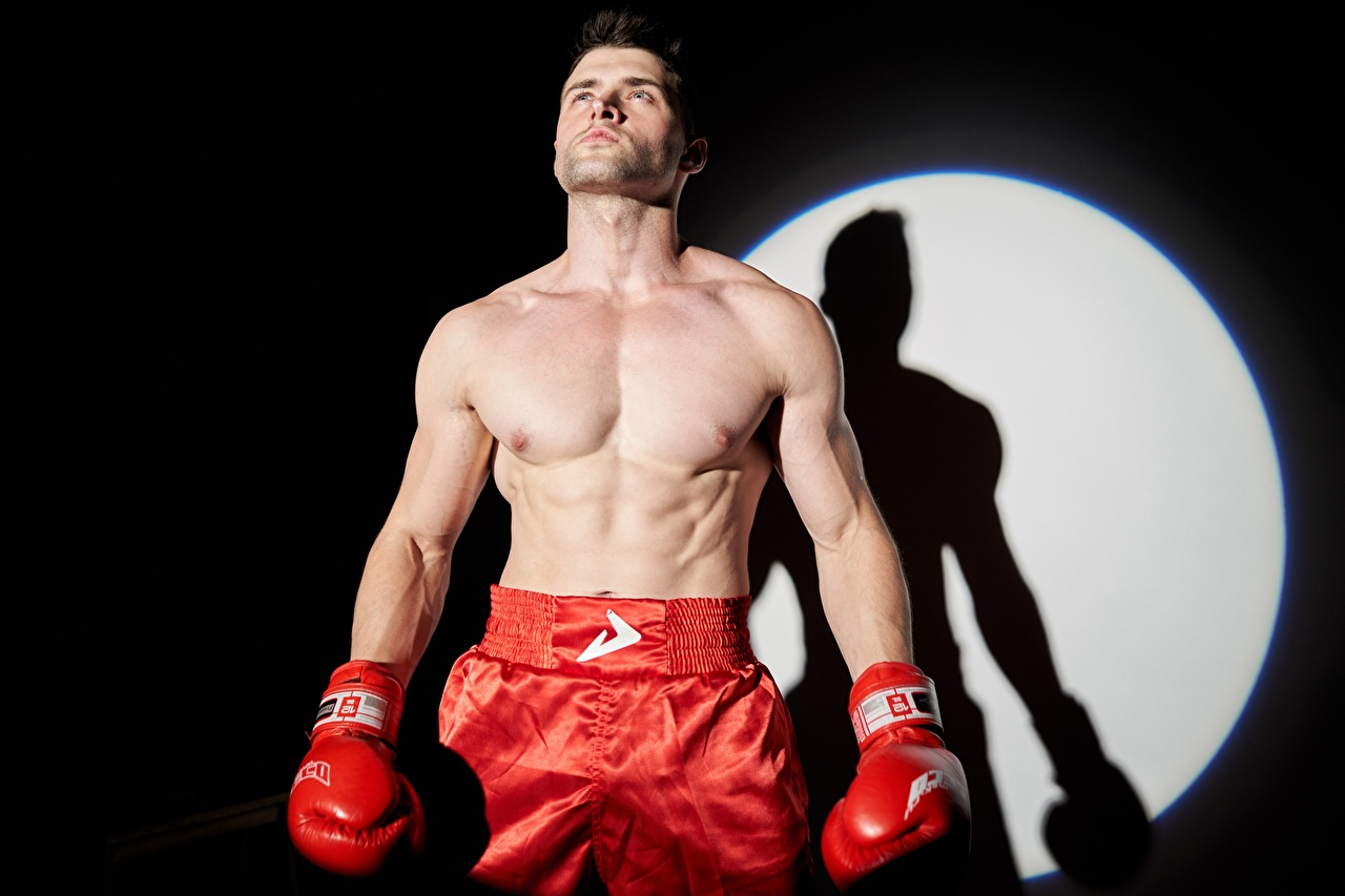 Фото боксера Мужчины Перчатки спортивный Бокс Руки Боксер мужчина перчатках Спорт спортивная спортивные рука