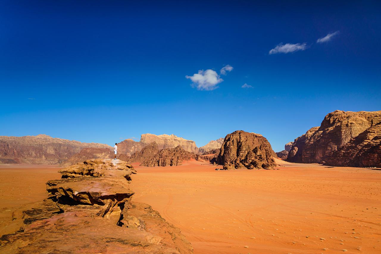 Картинки Wadi Rum Village, Jordan гора Пустыни Природа Небо песке Горы пустыня песка Песок