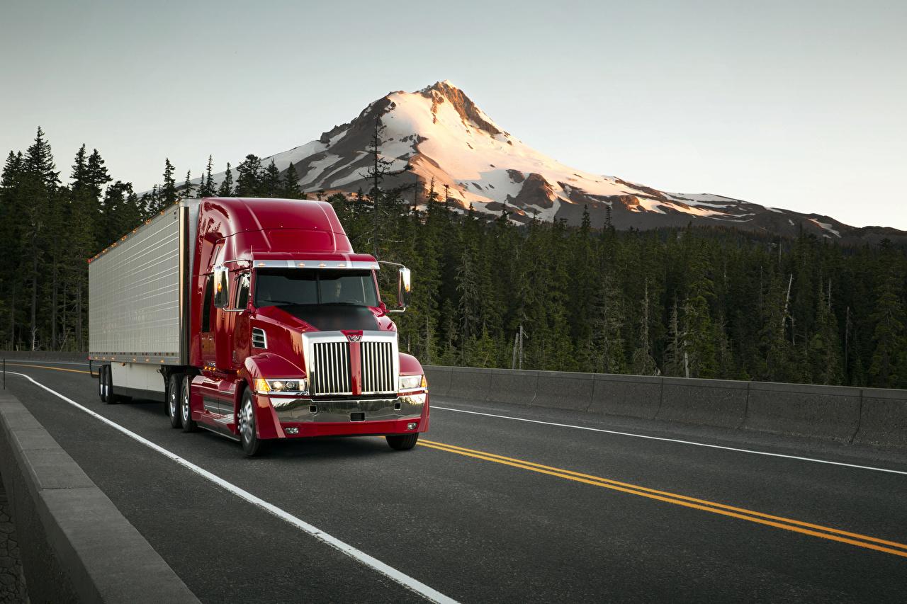 Фотографии Грузовики Вестер стар 2014-18 Western Star 5700XE Sleeper Cab едущая автомобиль Western Star Trucks едет едущий скорость Движение авто машины машина Автомобили