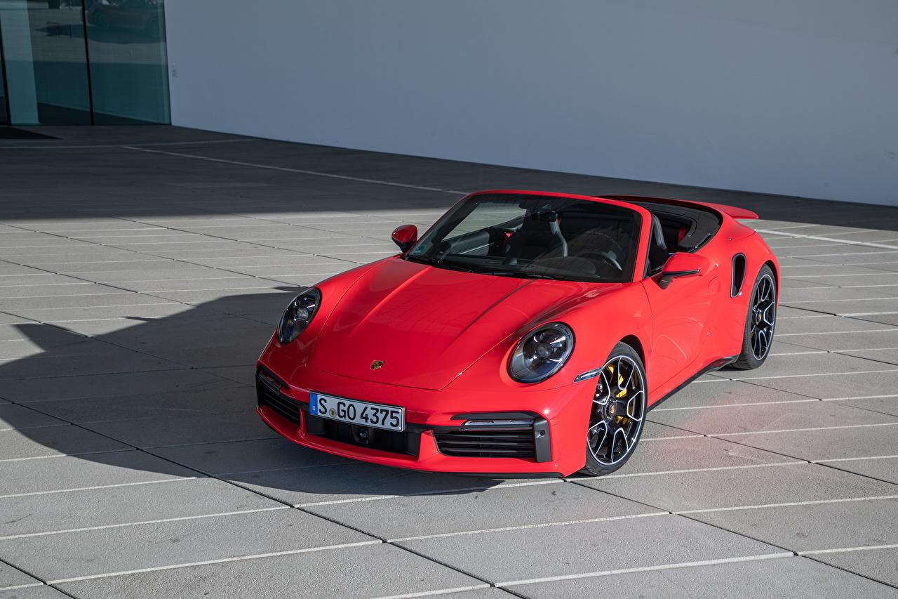 Картинки Порше 2020 911 Turbo S Cabriolet Worldwide кабриолета Красный Автомобили Porsche Кабриолет красная красные красных авто машины машина автомобиль