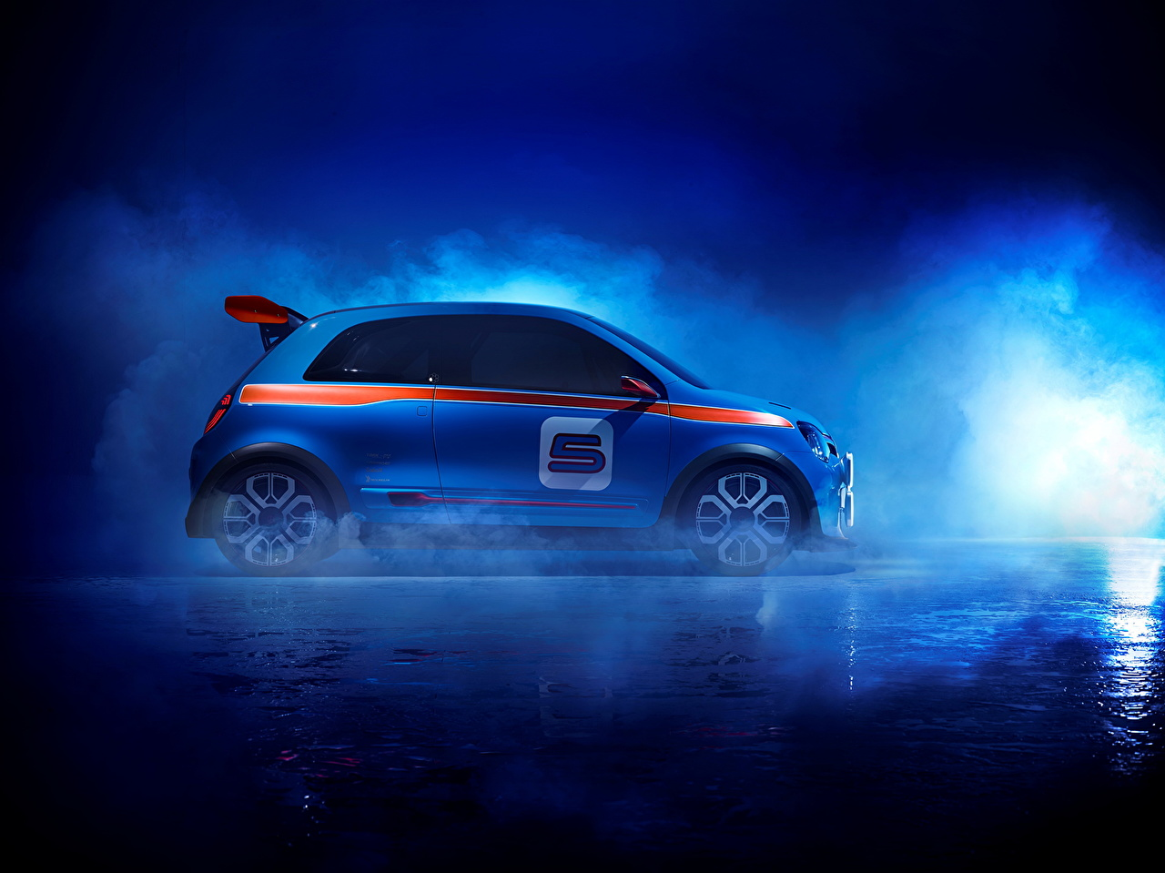Фотография Renault 2013 TwinRun Синий Дым авто Сбоку Рено синих синие синяя дымит машина машины автомобиль Автомобили