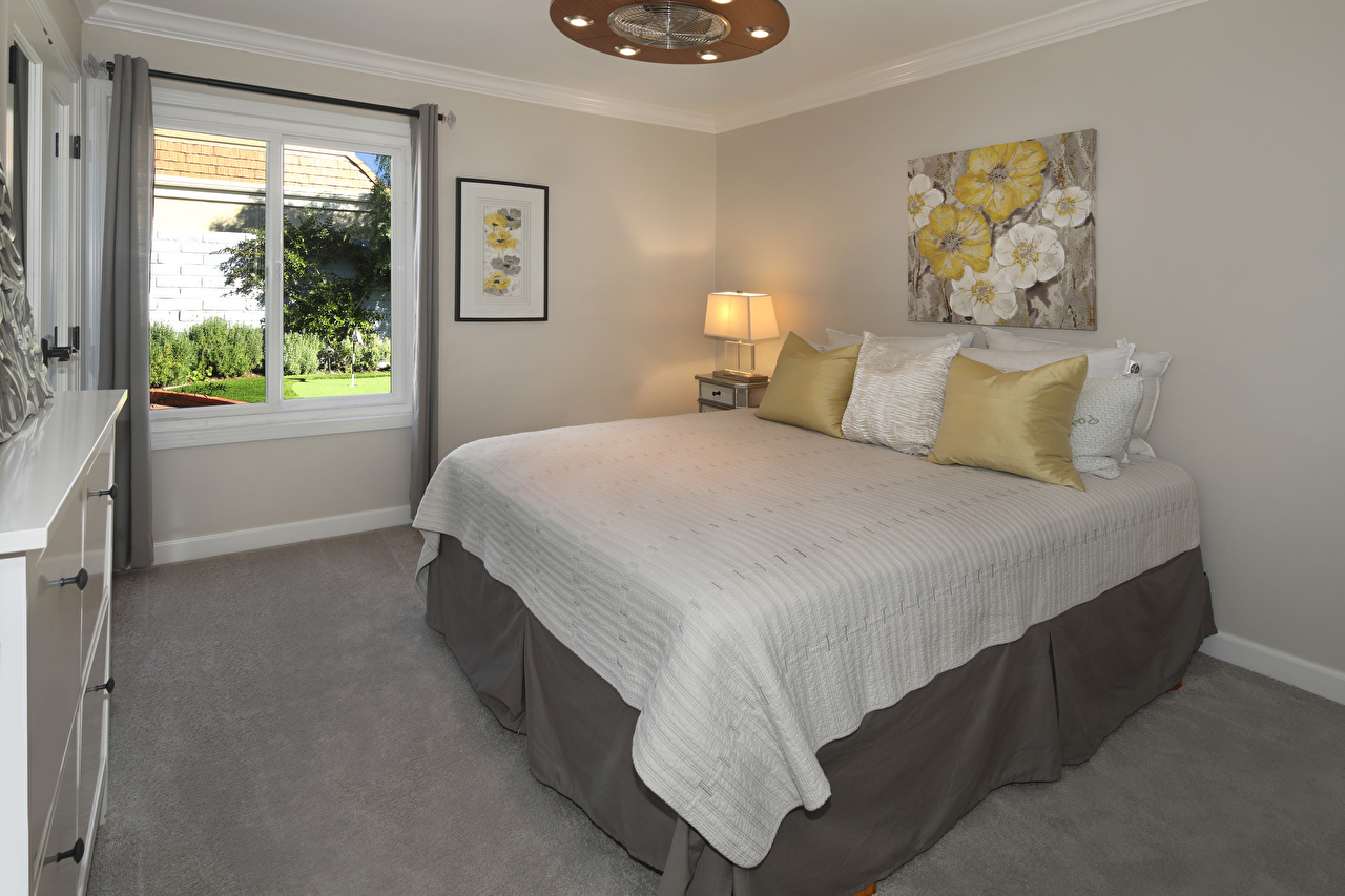 Картинки Спальня Интерьер Кровать Подушки Дизайн