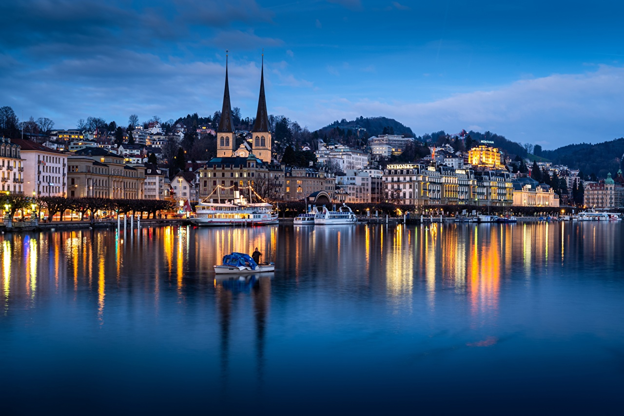 Фотографии Церковь Швейцария Lucerne, Lake Lucerne Озеро Отражение Вечер Лодки Дома город отражении отражается Здания Города
