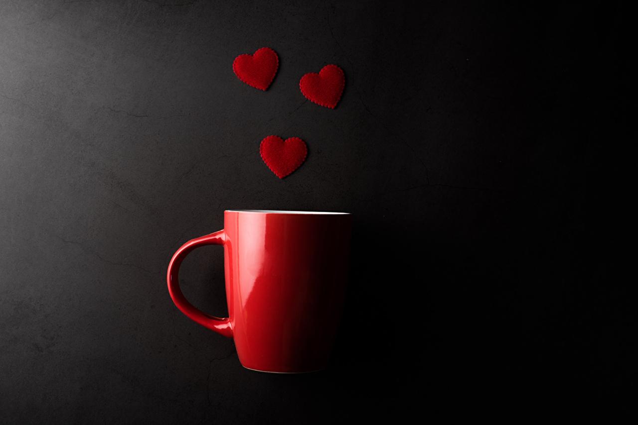 Фото День святого Валентина сердечко красная Еда чашке сером фоне День всех влюблённых серце Сердце сердца Красный красные красных Пища Чашка Продукты питания Серый фон