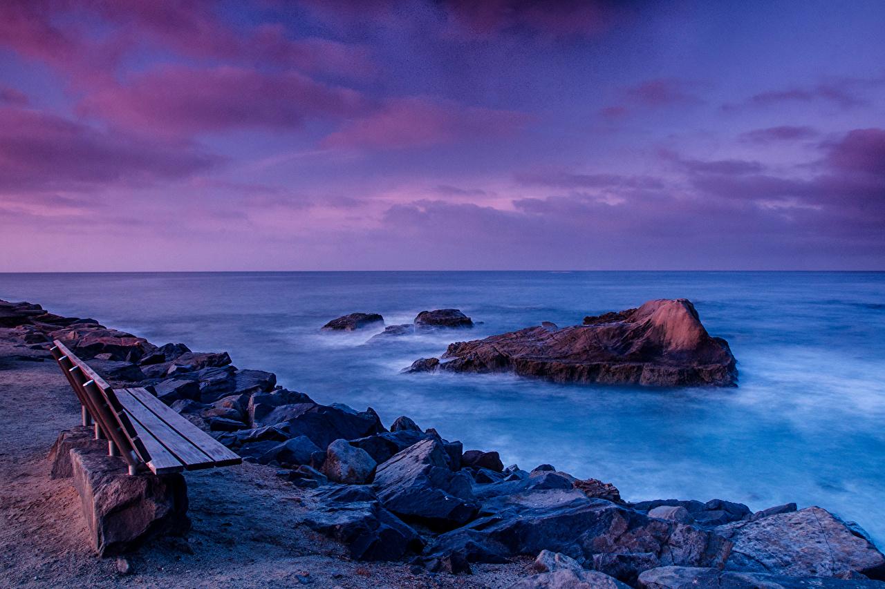 Картинки Калифорния штаты Природа Небо Камни Скамья Побережье калифорнии США америка берег Камень Скамейка