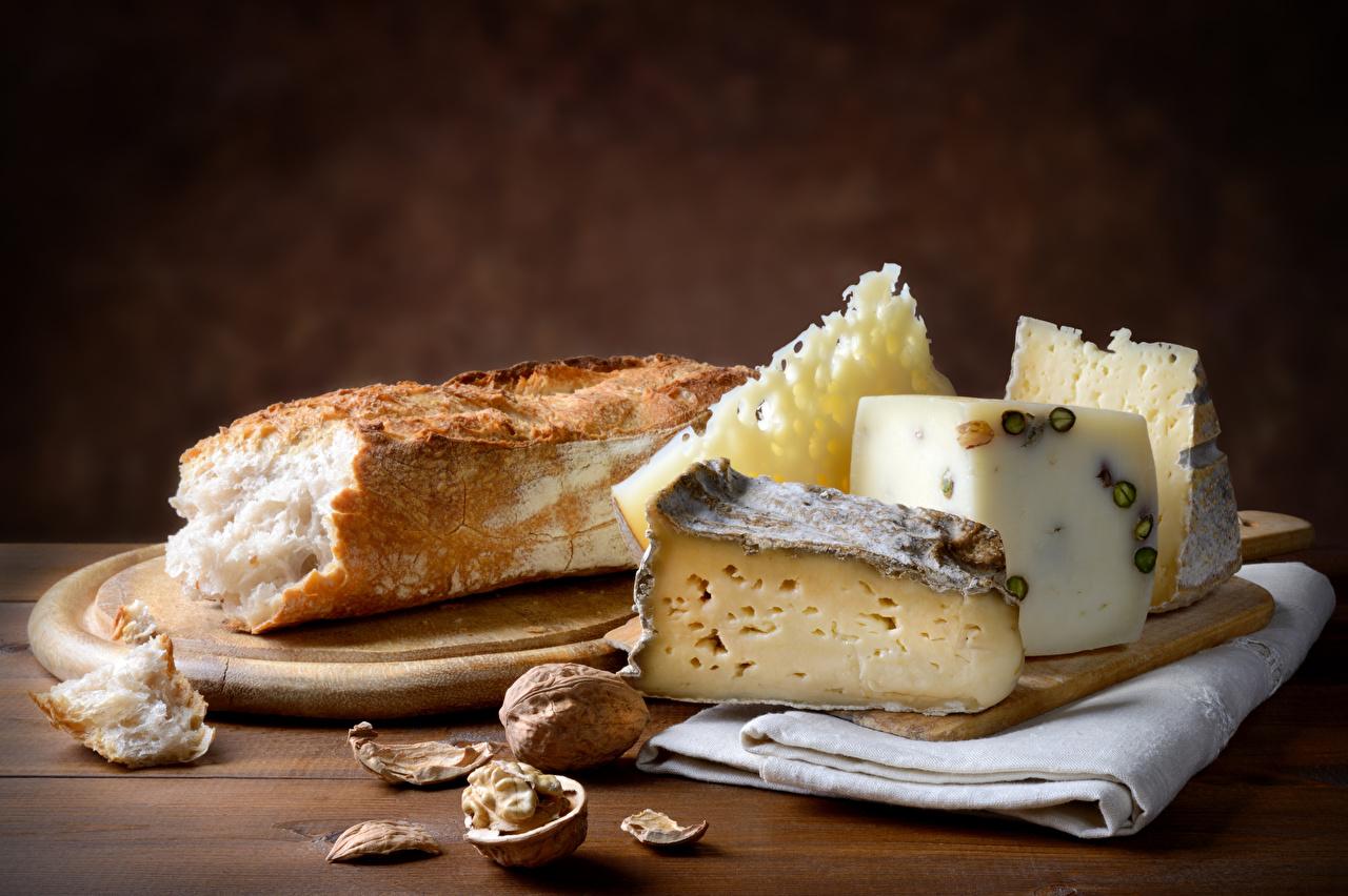 Картинки Хлеб Сыры Пища Разделочная доска Орехи Еда Продукты питания разделочной доске