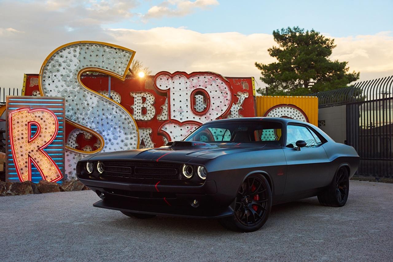 Фотография Додж Challenger Черный авто Dodge черных черные черная машина машины автомобиль Автомобили