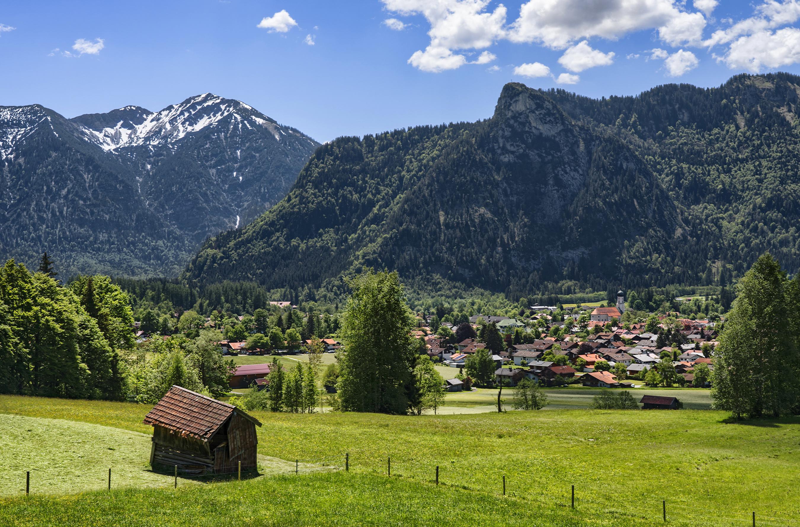 Картинка Бавария Германия Oberammergau гора Дома Города Деревья 2700x1780 Горы город Здания дерево дерева деревьев