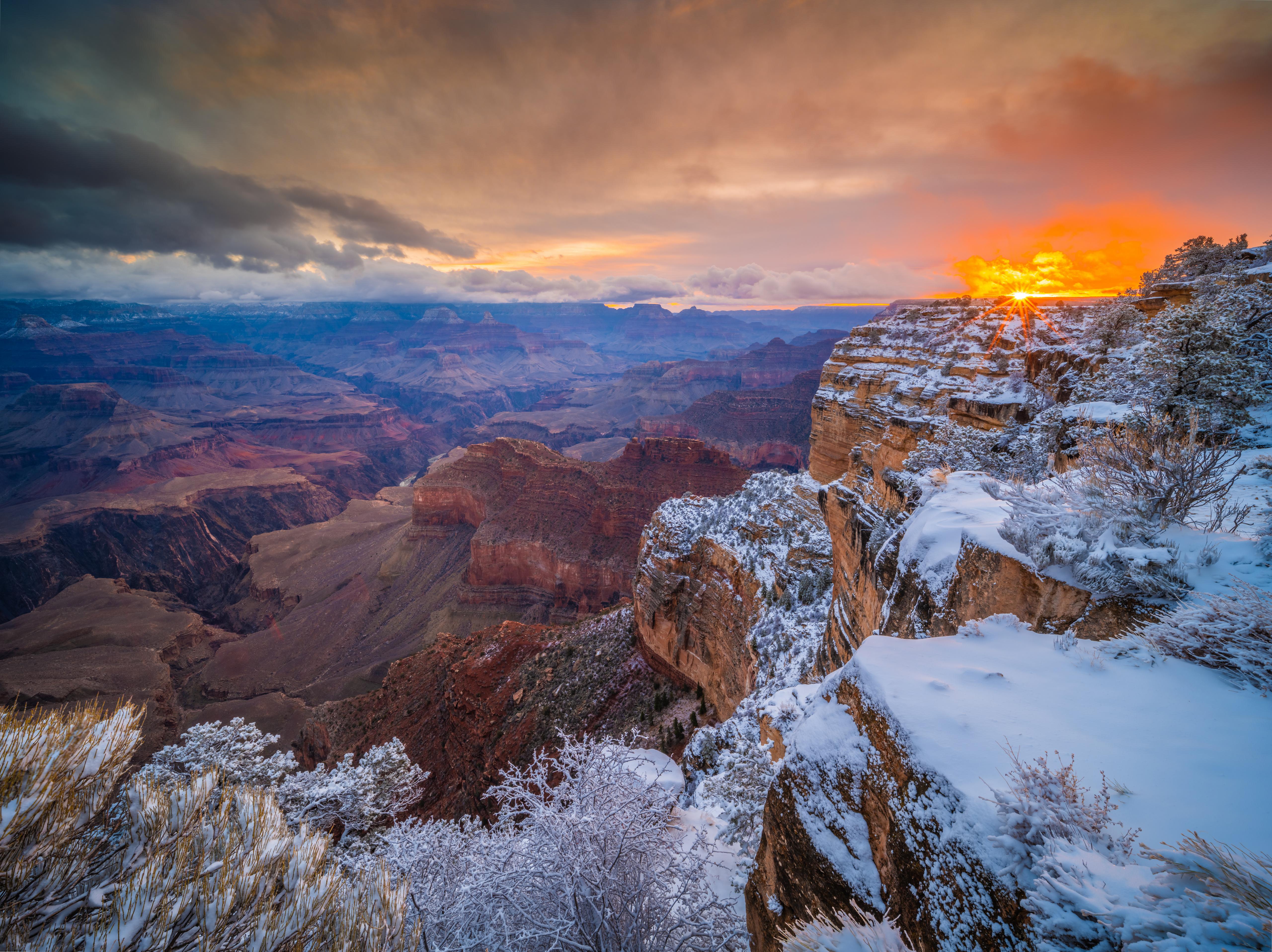 Обои для рабочего стола Гранд-Каньон парк штаты Arizona Утес каньона Природа Парки Рассветы и закаты 5120x3834 США америка Скала скале скалы Каньон каньоны парк рассвет и закат