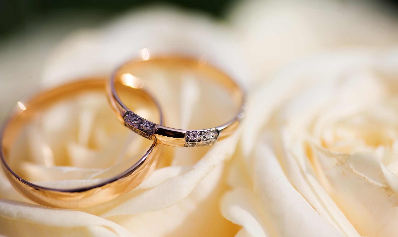 обручальные кольца с жемчугом без смс