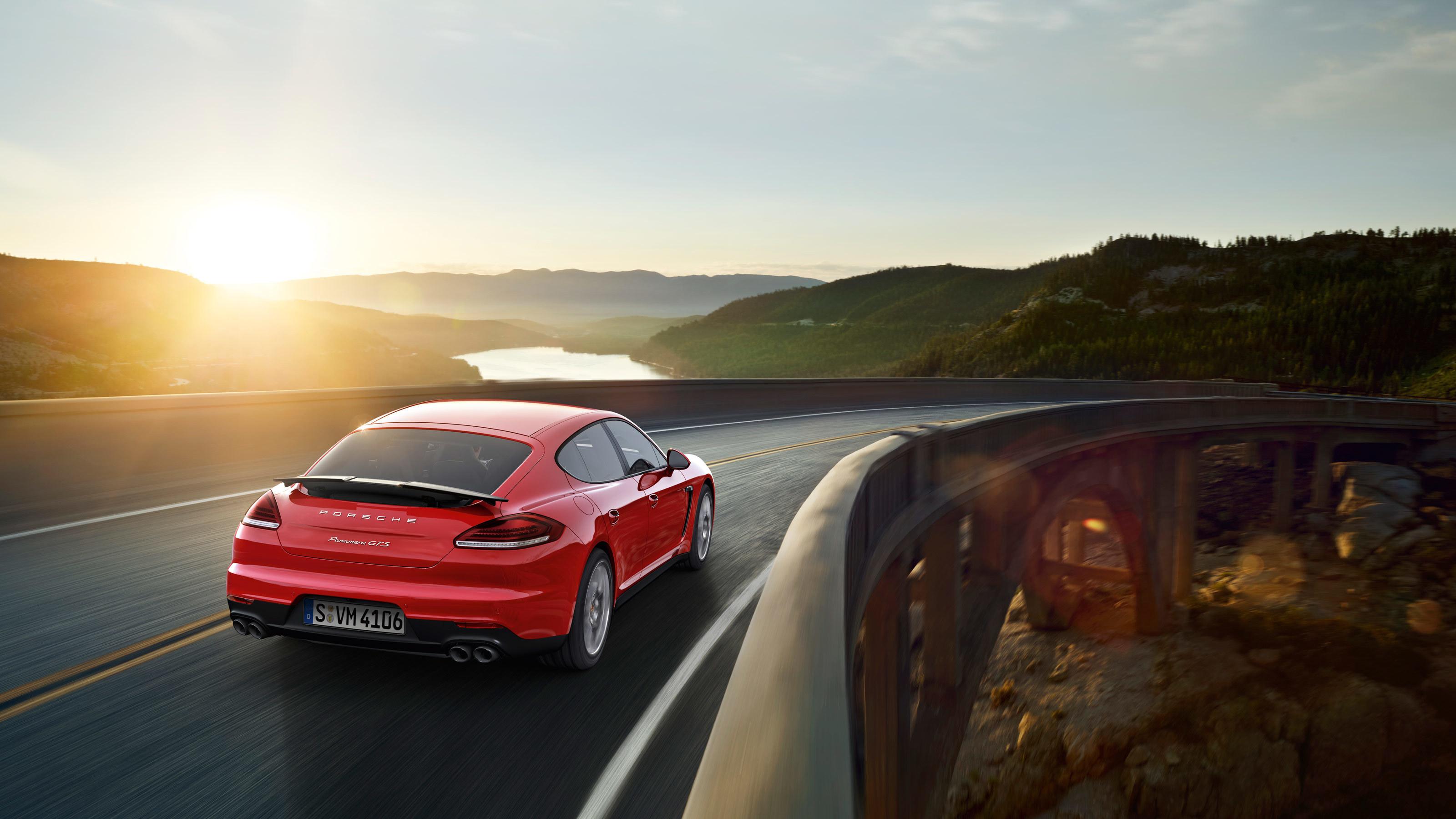 белая Porsche под мостом загрузить
