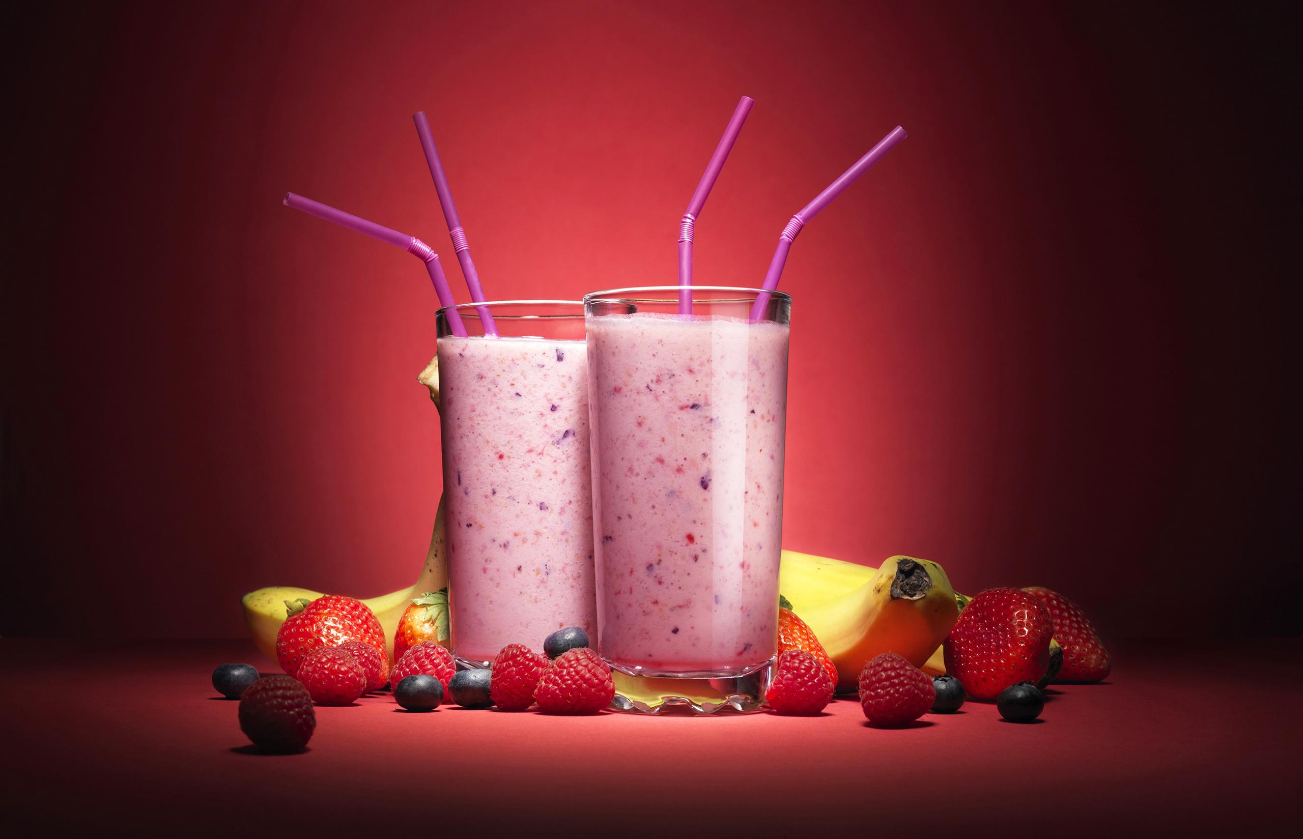 Картинки Стакан Малина Клубника Пища Коктейль стакана стакане Еда Продукты питания