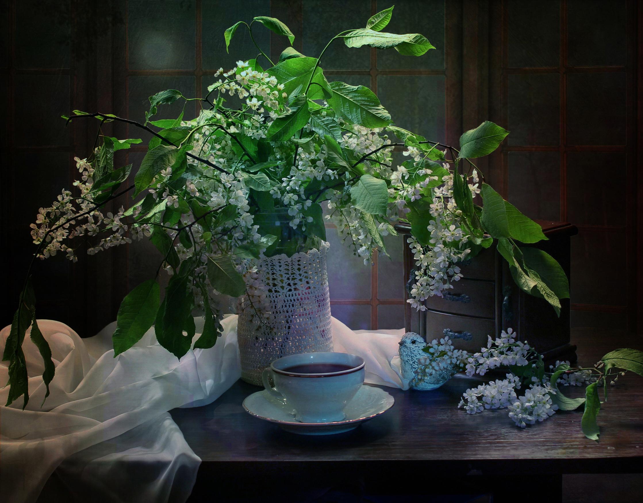 Картинка Чай цветок Ваза чашке на ветке Продукты питания Цветущие деревья Цветы Еда вазе вазы Пища Чашка ветка ветвь Ветки