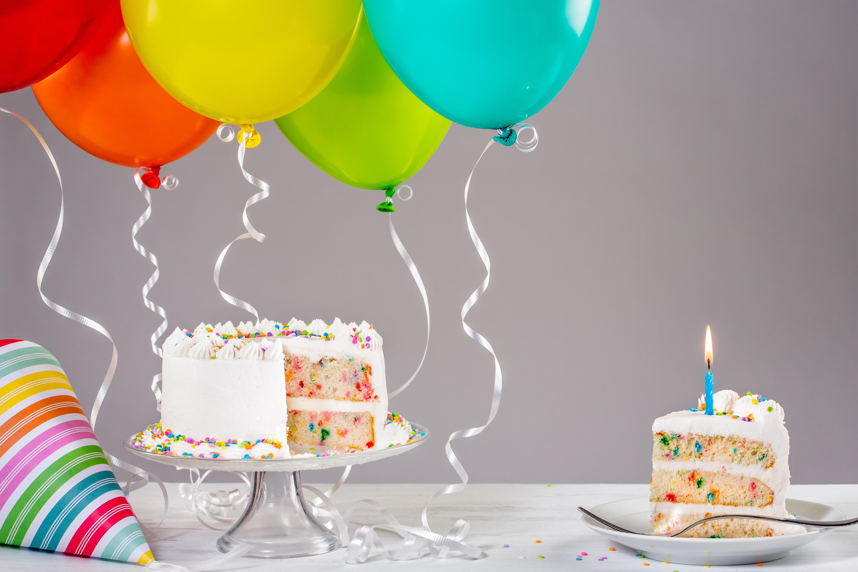 Фотография День рождения воздушные шарики Торты Продукты питания 5760x3840 Воздушный шарик воздушным шариком воздушных шариков Еда Пища