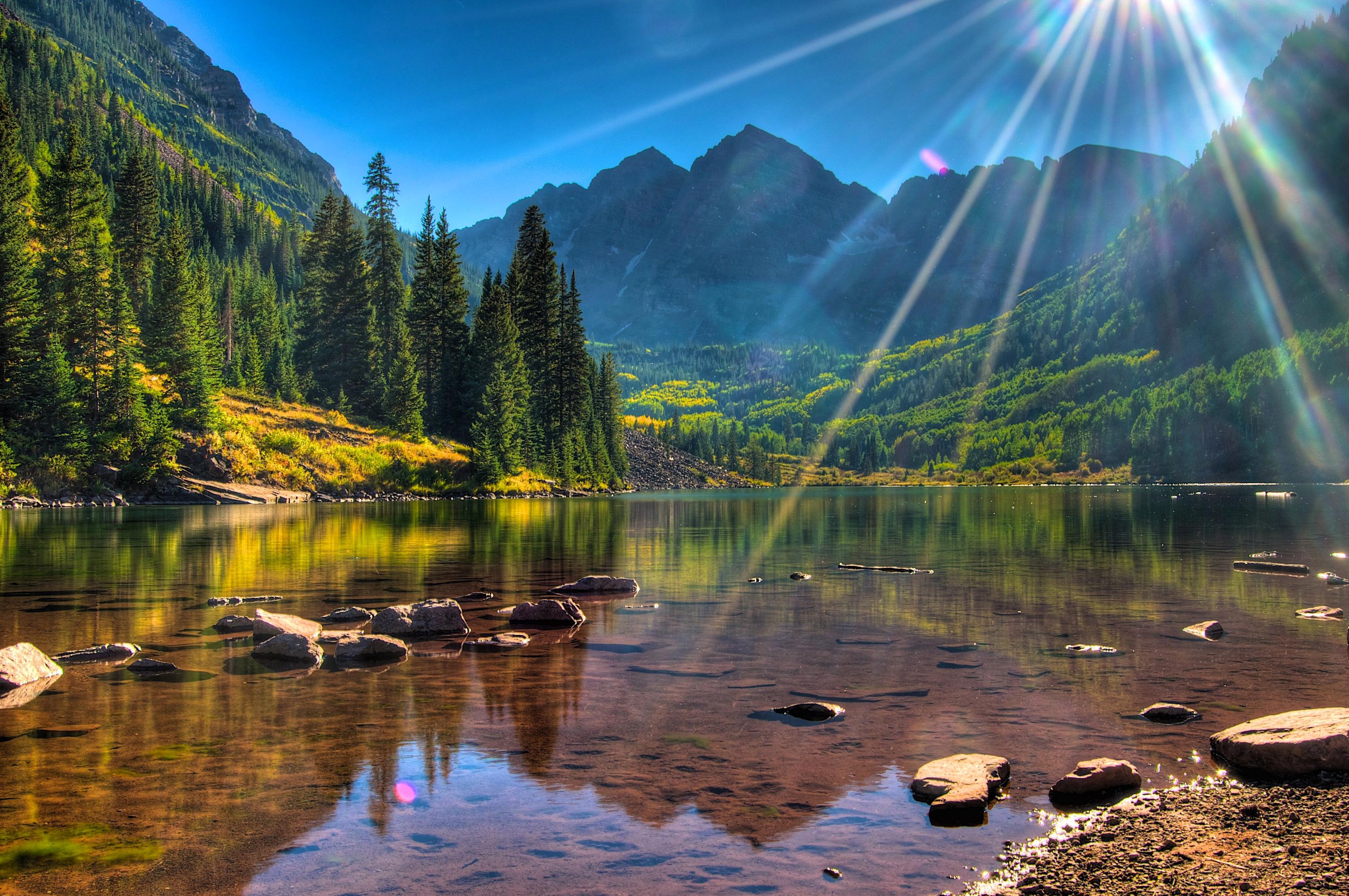Фонтан озеро лес горы без смс