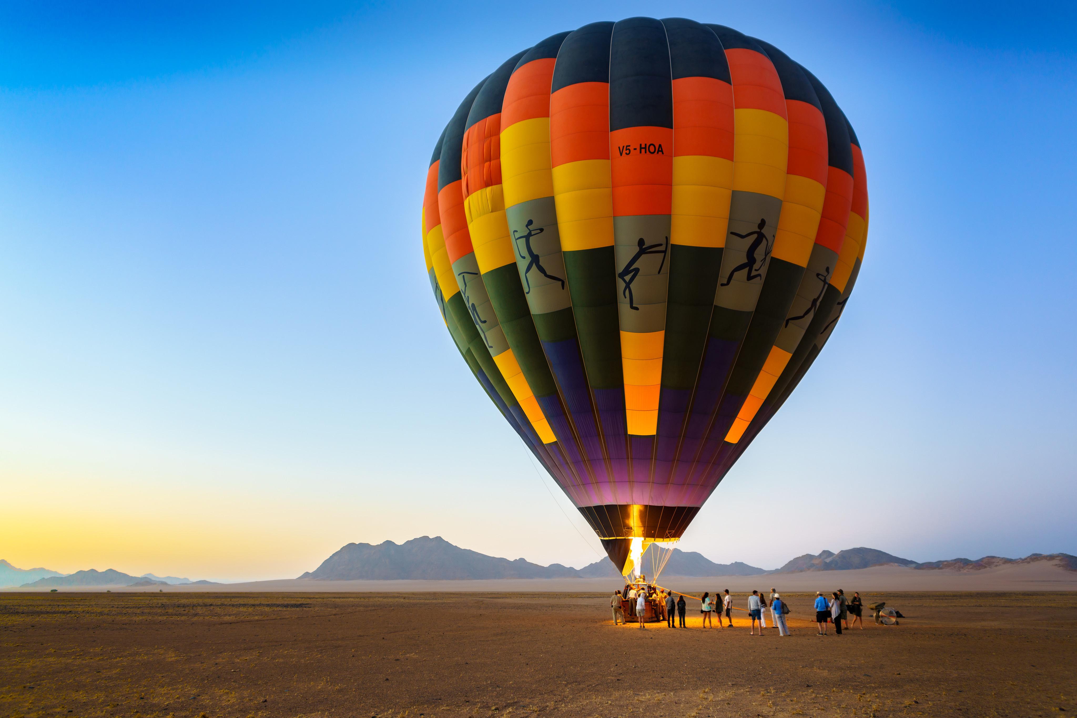 Картинки Африка аэростат Sossusvlei, Namib-Naukluft National Park, Namibia Природа Небо 4096x2732 Воздушный шар