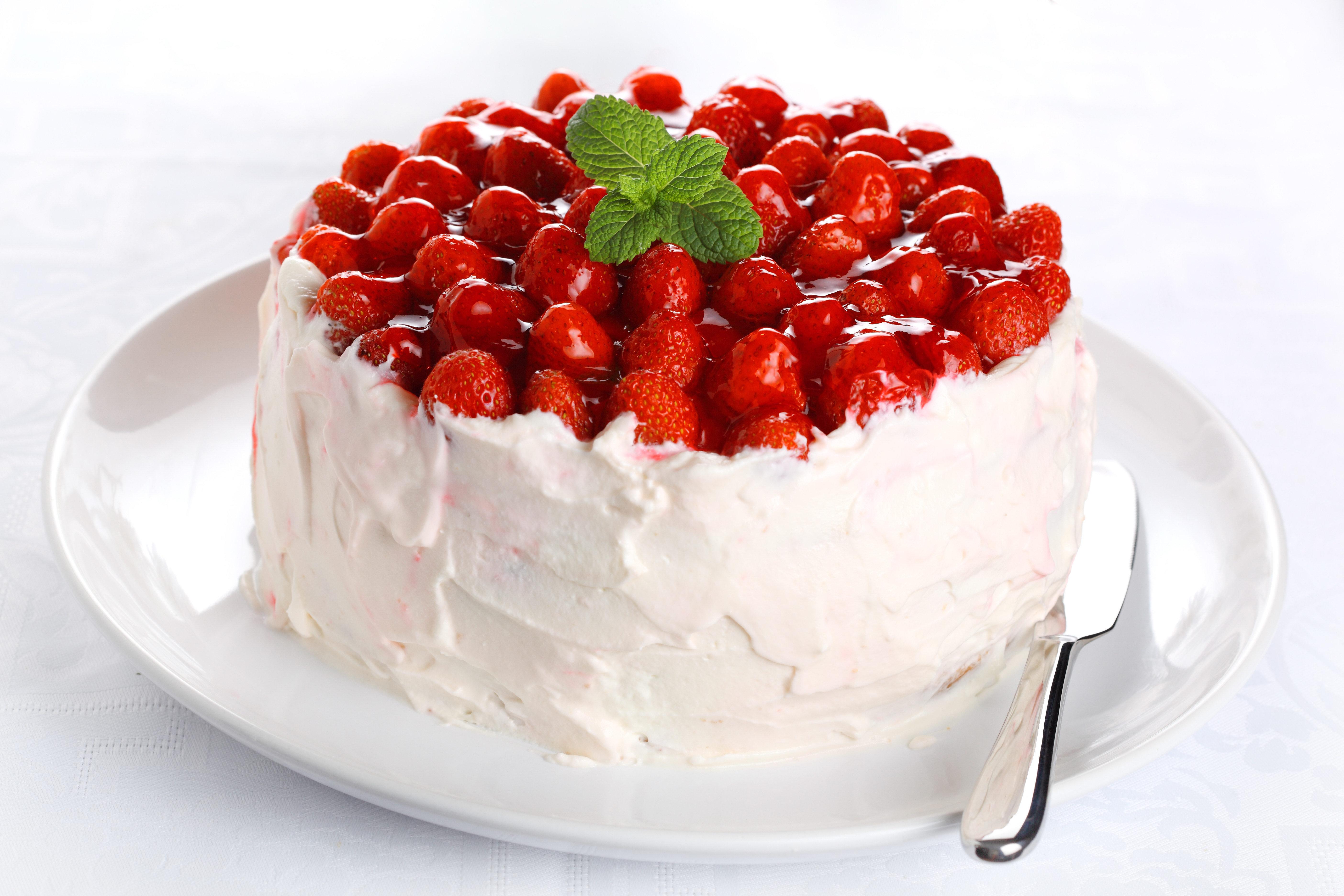 еда торт клубника без смс
