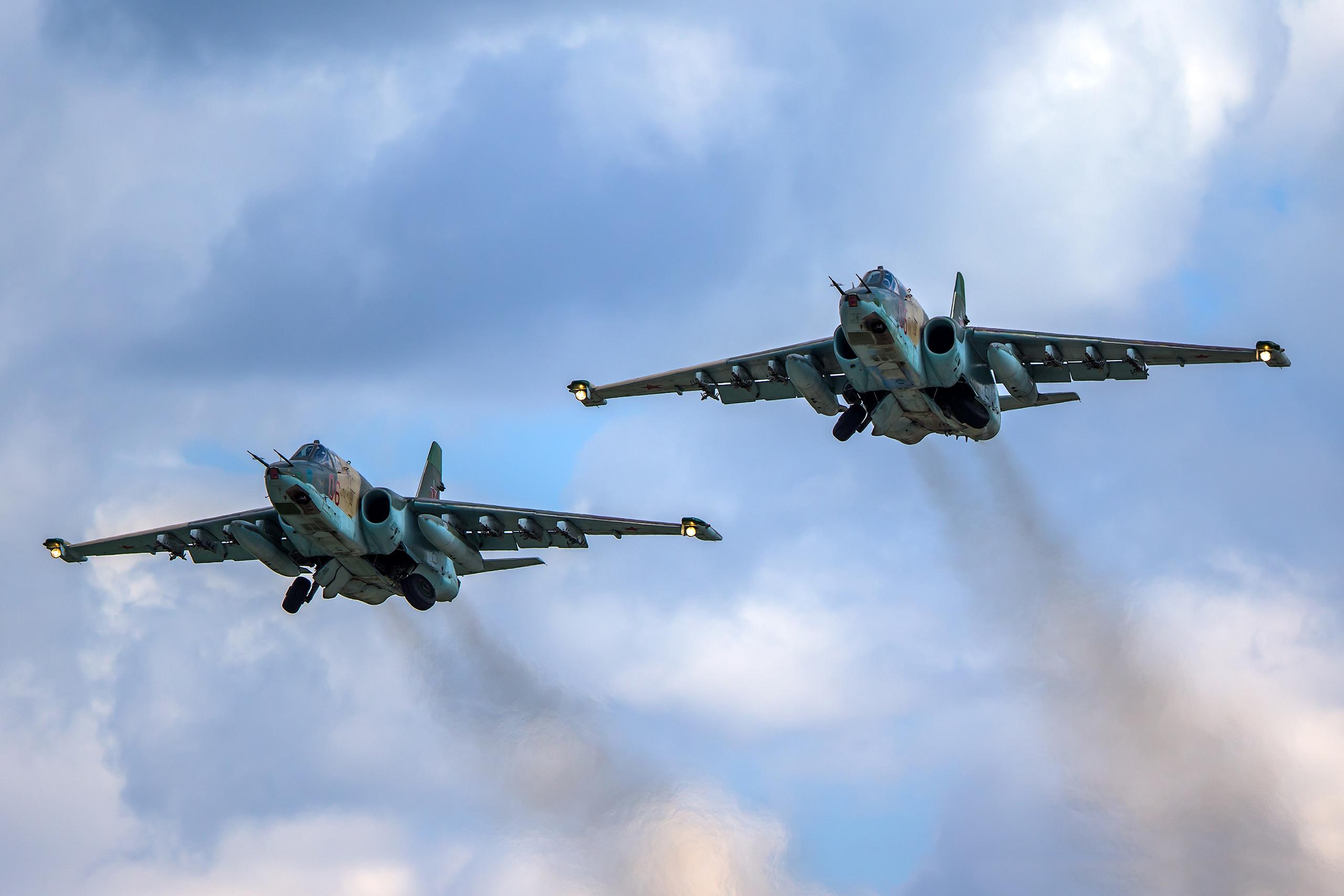 Airplane_Sukhoi_Su-25_438671.jpg