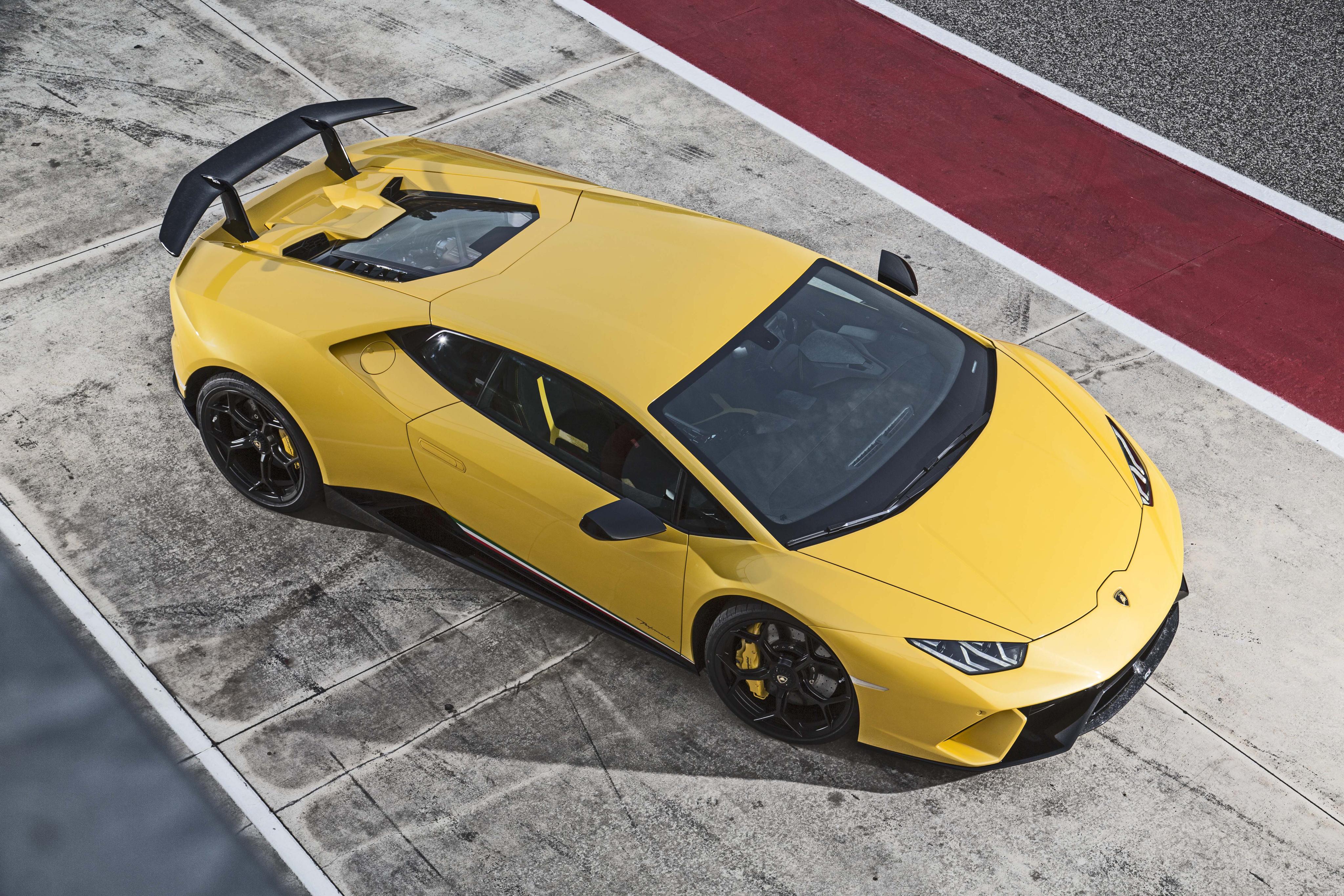 желтый автомобиль спортивный lamborghini huracan yellow car sports скачать