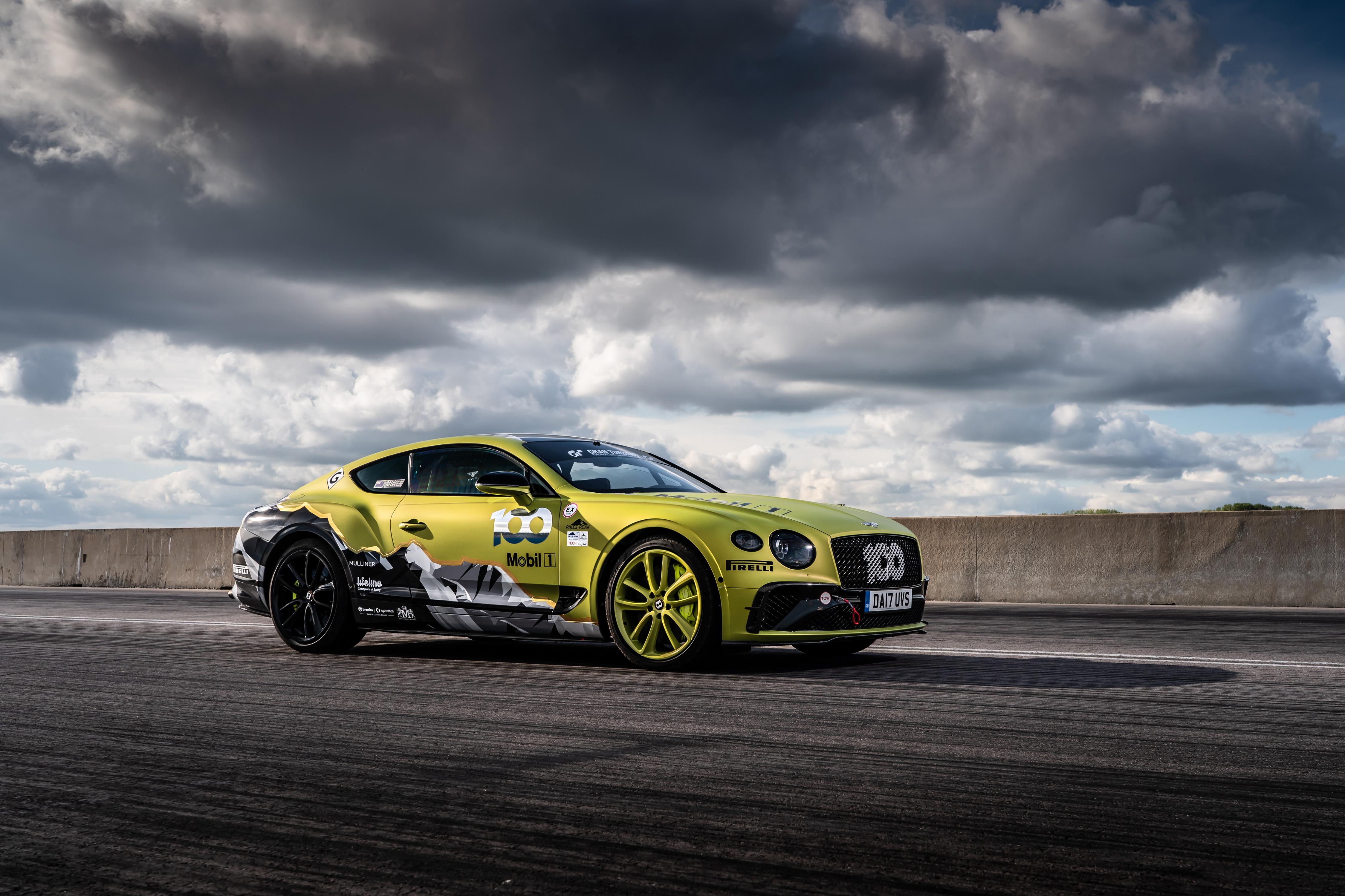 Обои для рабочего стола Бентли Continental GT Pikes Peak, 2019 Сбоку машины Облака 4500x3000 Bentley авто машина Автомобили автомобиль облако облачно
