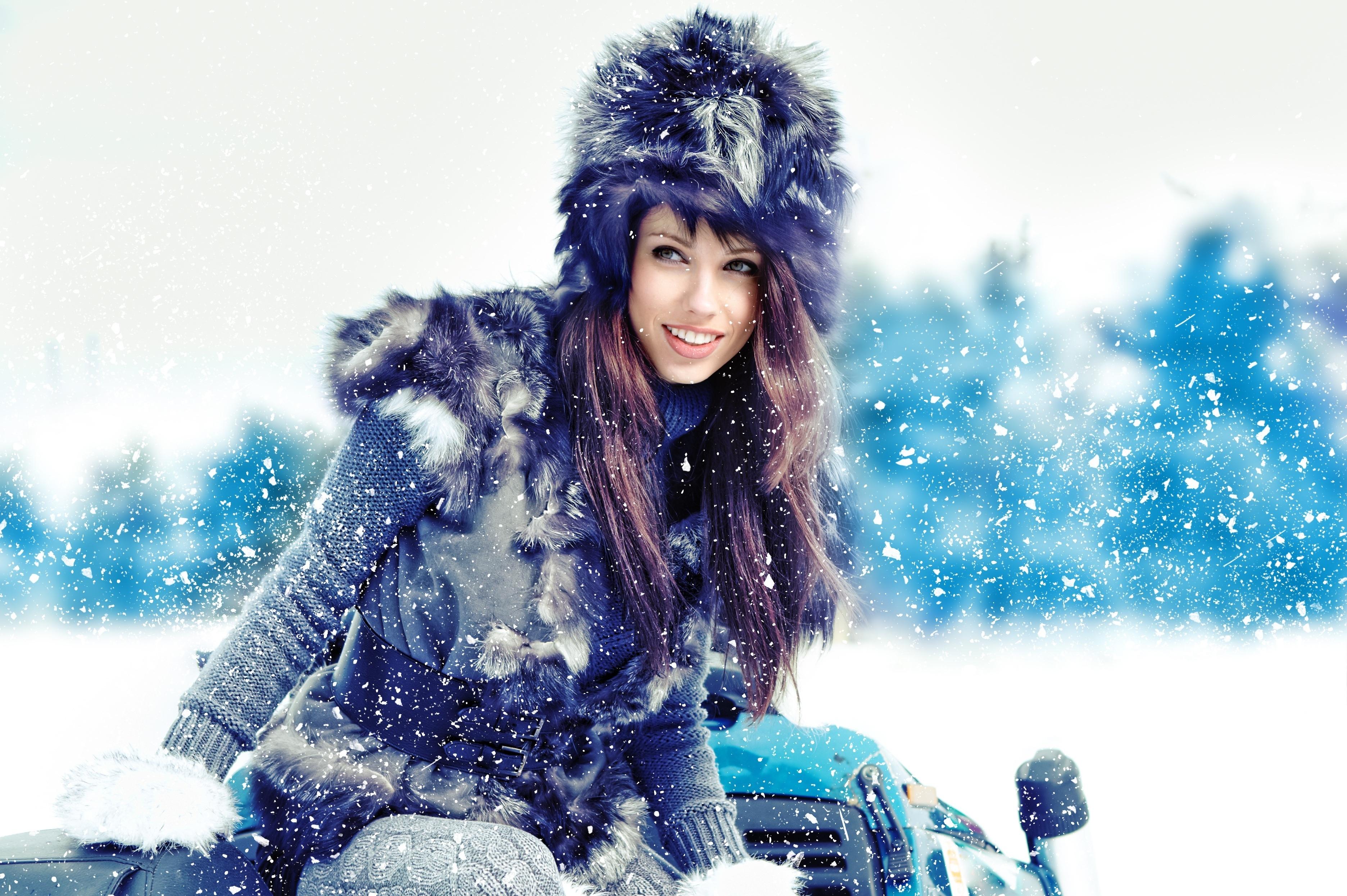 девушка снег пальто скачать
