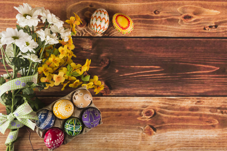 Фотографии Пасха Яйца букет Цветы Хризантемы Доски 5760x3840 яиц яйцо яйцами Букеты цветок