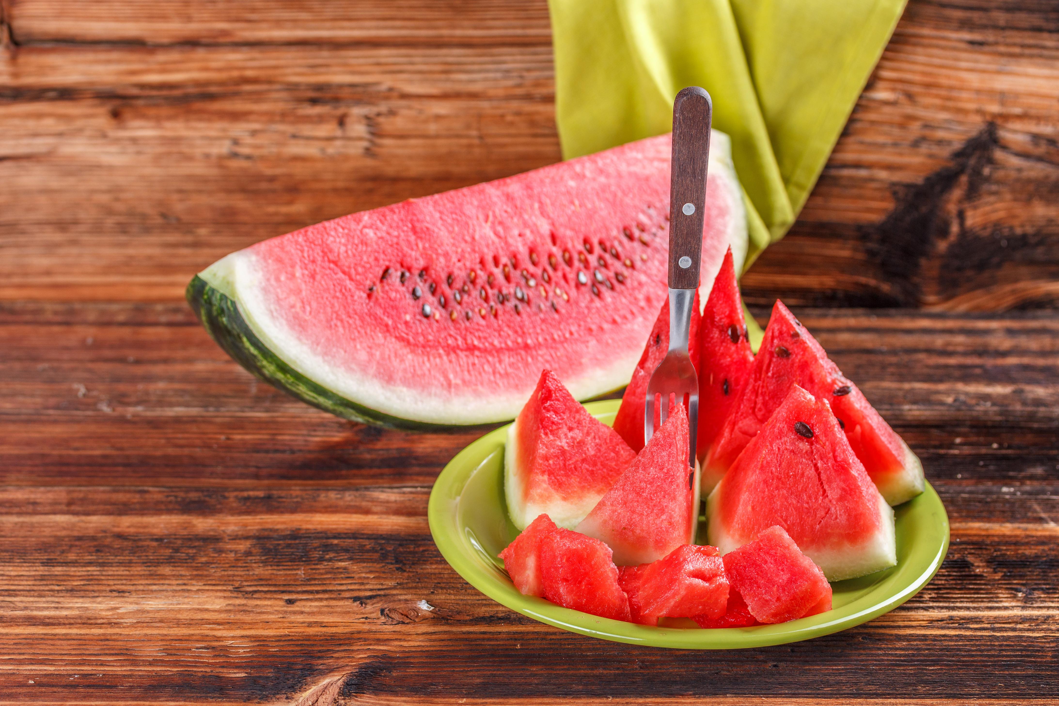 Картинка Арбузы кусочки Еда часть Кусок кусочек Пища Продукты питания