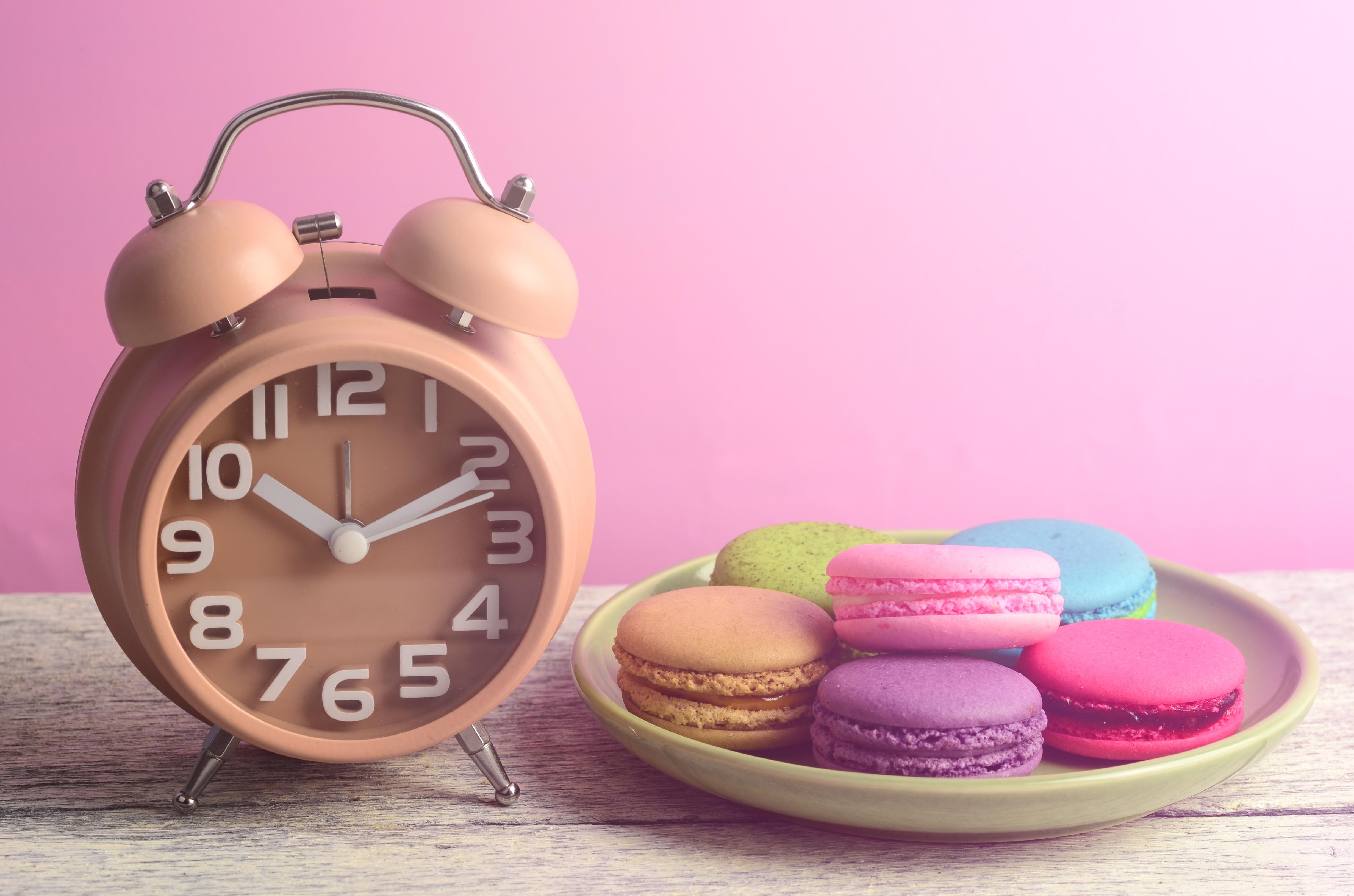 Фотография Макарон Часы Будильник Продукты питания Еда Пища