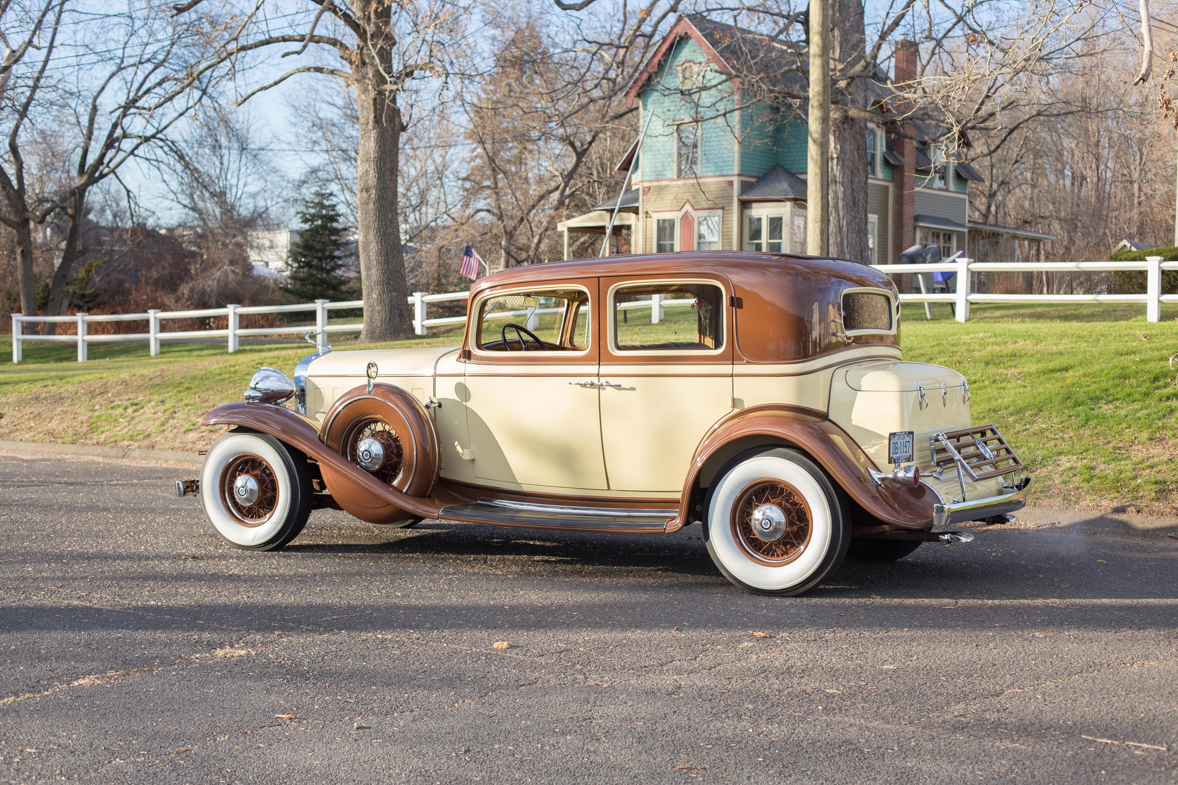 Картинка Cadillac 1932 V12 370-B Town Sedan by Fisher Сбоку Автомобили 4096x2731 Кадиллак авто машины машина автомобиль