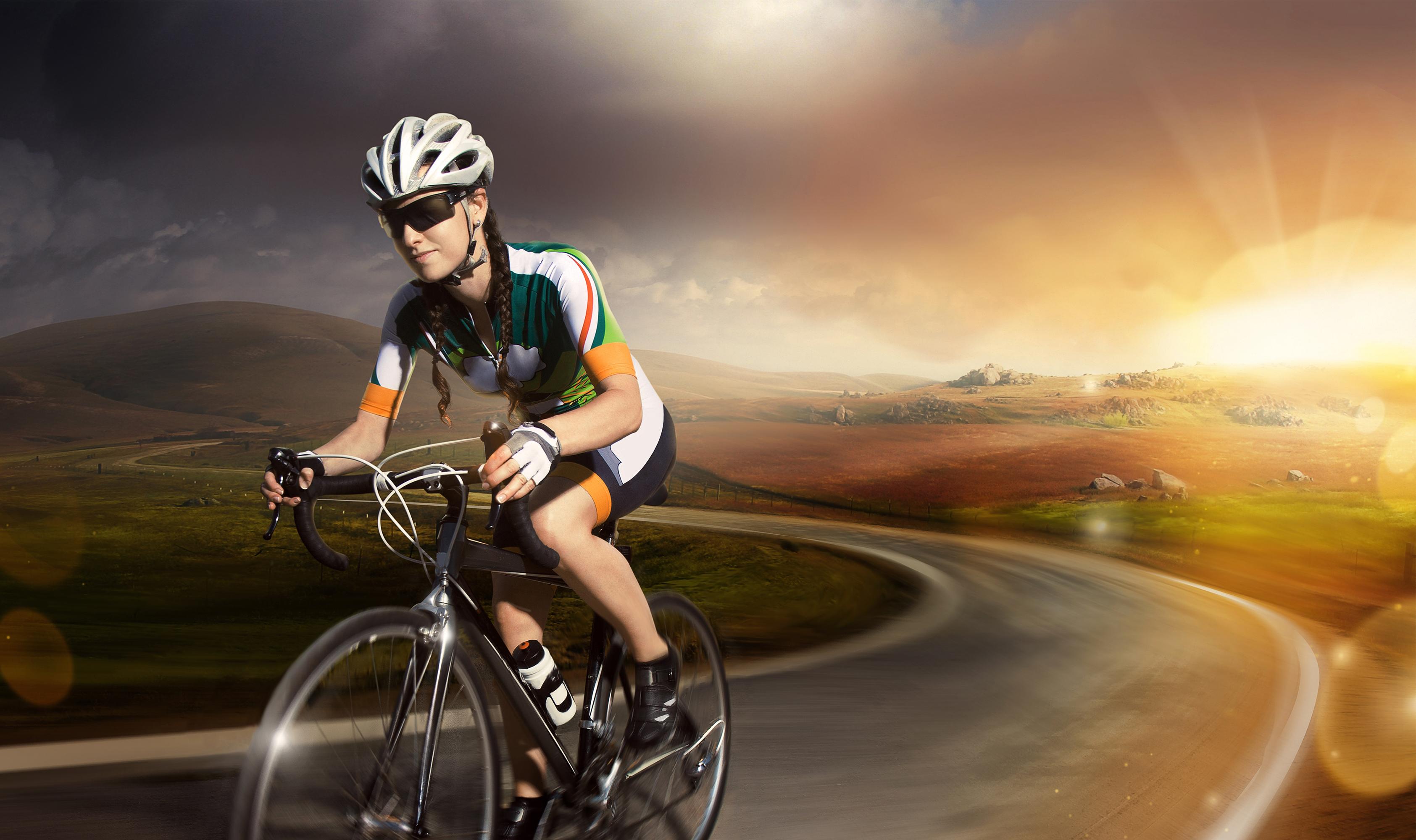 Картинка Шлем велосипеде спортивная молодые женщины Дороги Очки 3370x2000 шлема в шлеме Велосипед велосипеды Спорт девушка Девушки спортивные спортивный молодая женщина очков очках