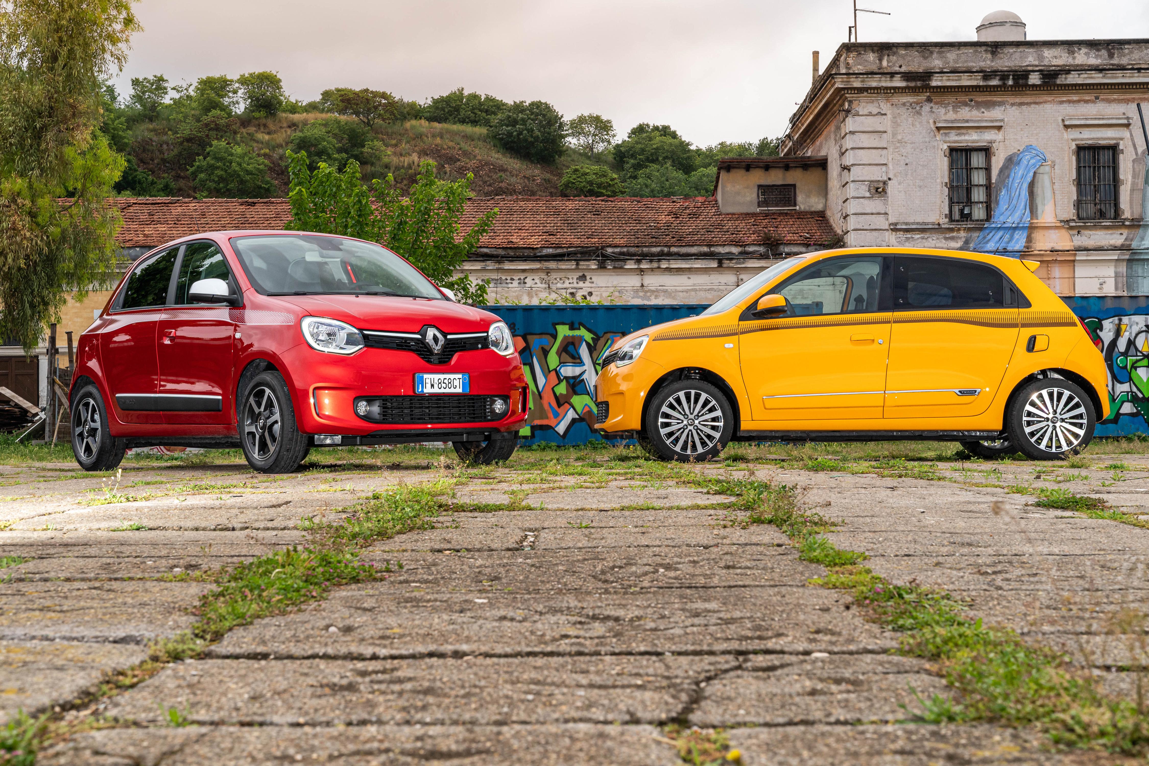 Фотографии Renault 2019-20 Twingo Worldwide два Автомобили Рено 2 две Двое вдвоем авто машины машина автомобиль