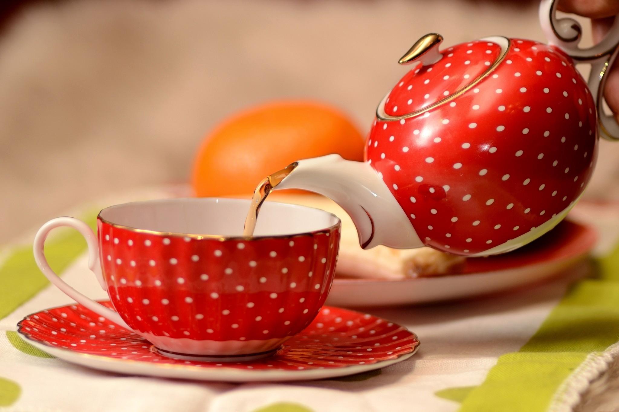 Зеленая чашка с чаем без смс
